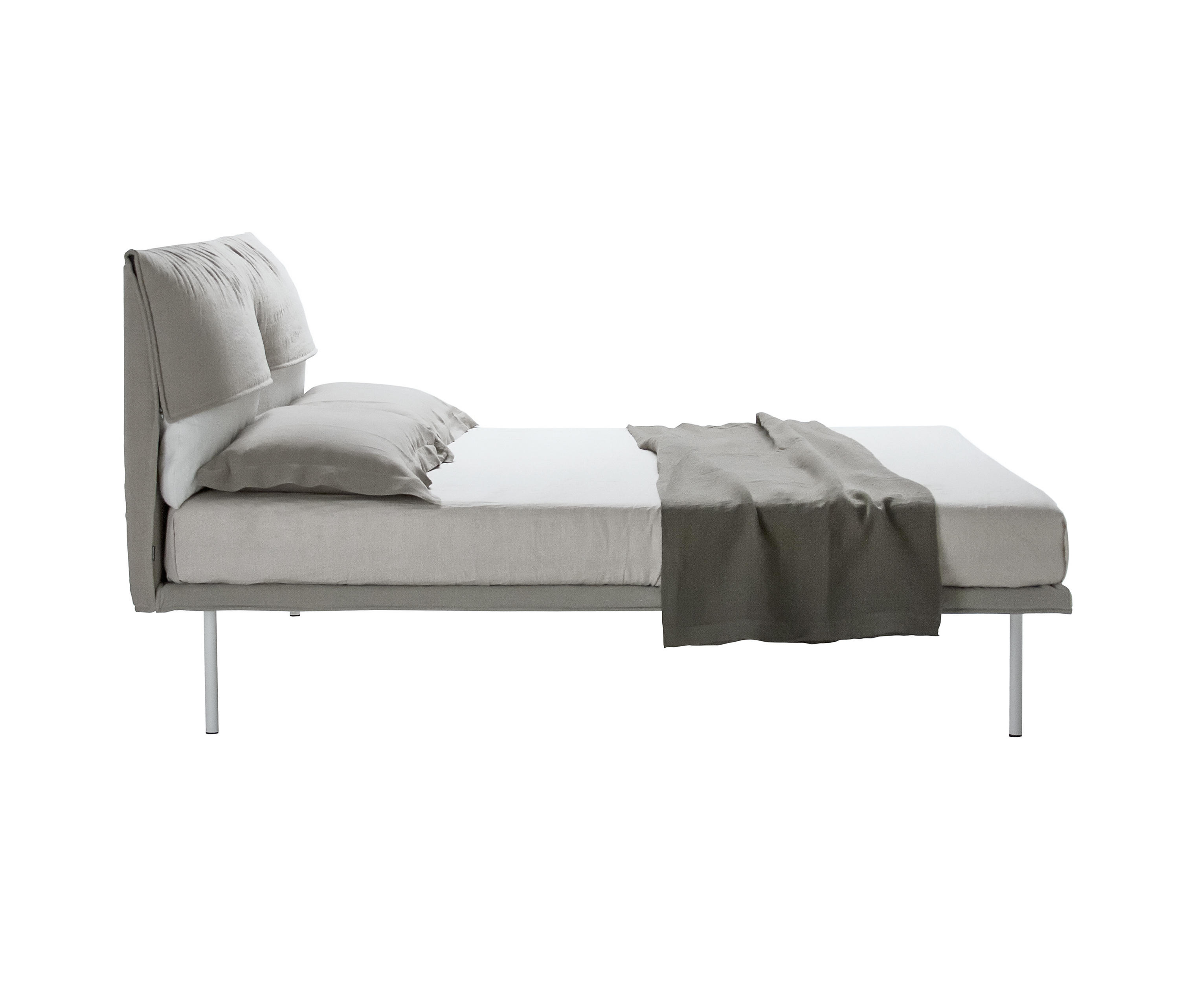 Coverbed 1710 Double Beds From Zanotta Architonic