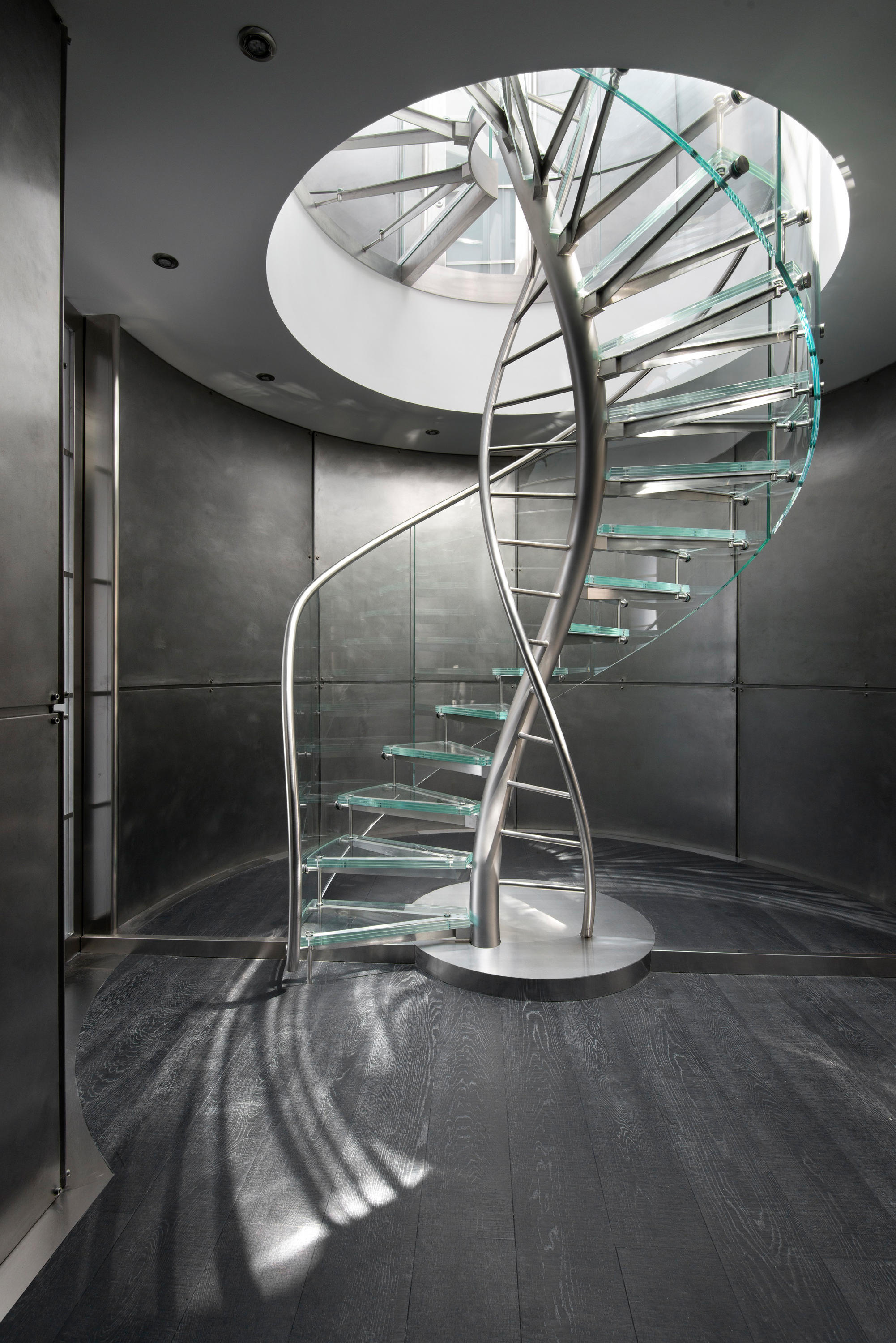 DNA FLOATING HELICAL STAIRS GLASS TWE707 Glass stairs from