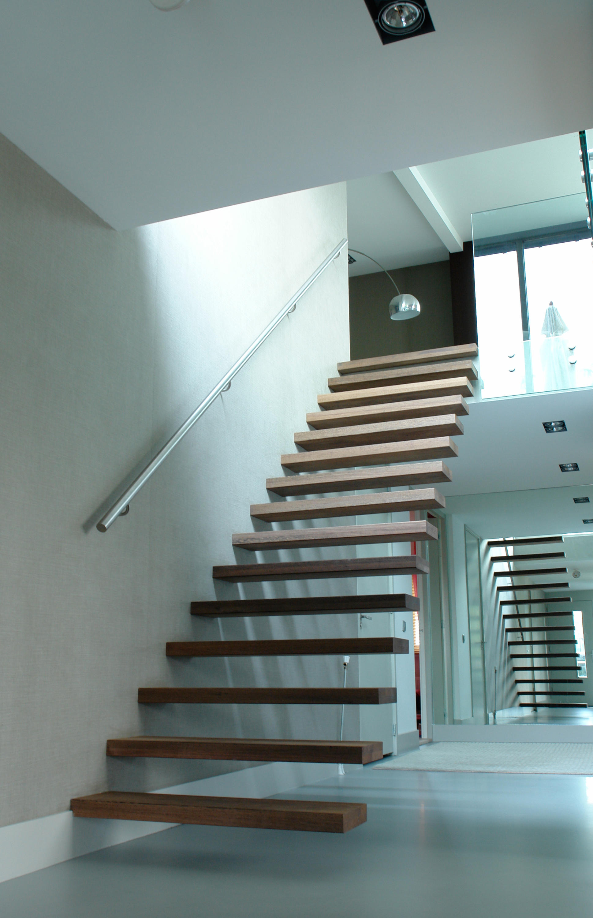 Design Floating Stairs floating stairs wood tre 513 from eestairs architonic by stairs