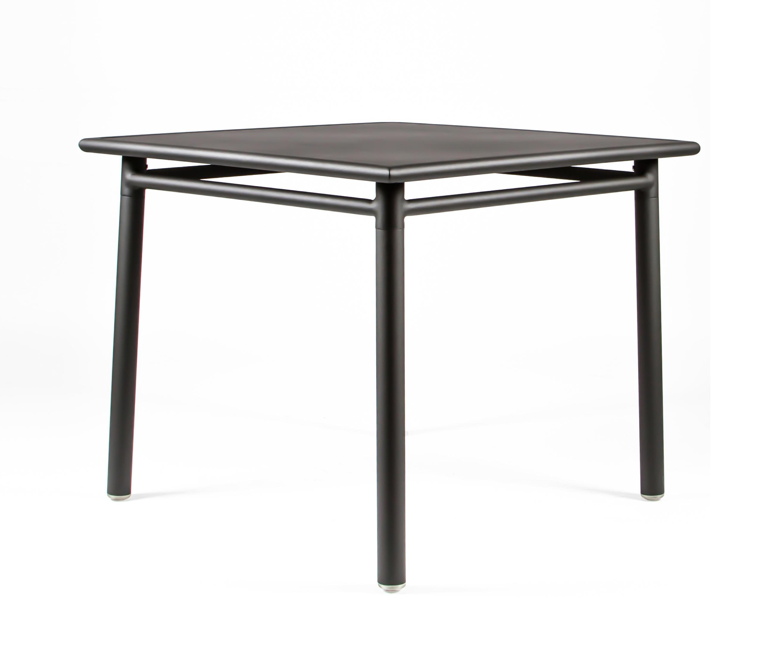 Nc8670 square table tavoli da pranzo da giardino maiori for Produttori tavoli