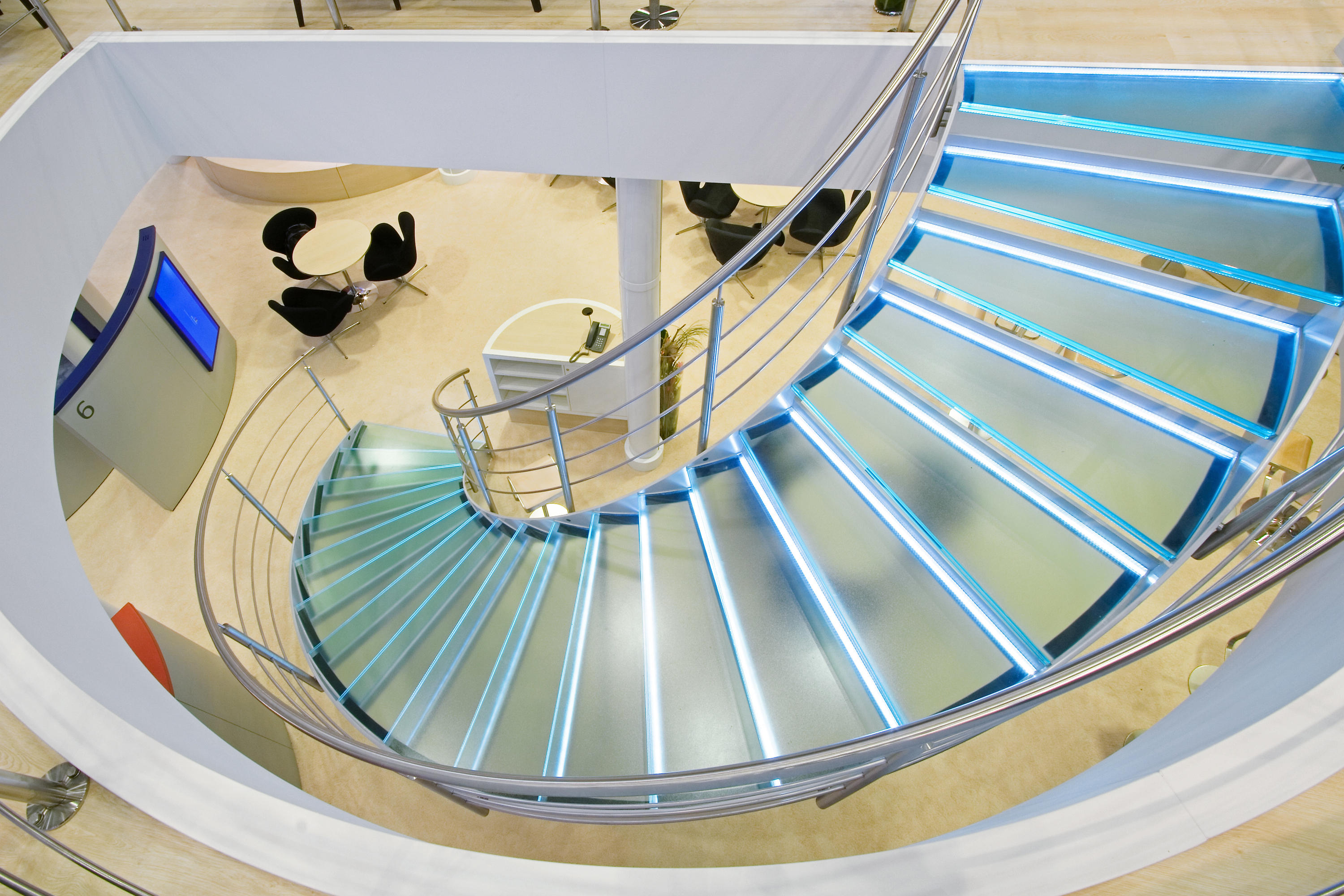 Helical Stairs Glass TWE 352 | Glass Stairs | EeStairs