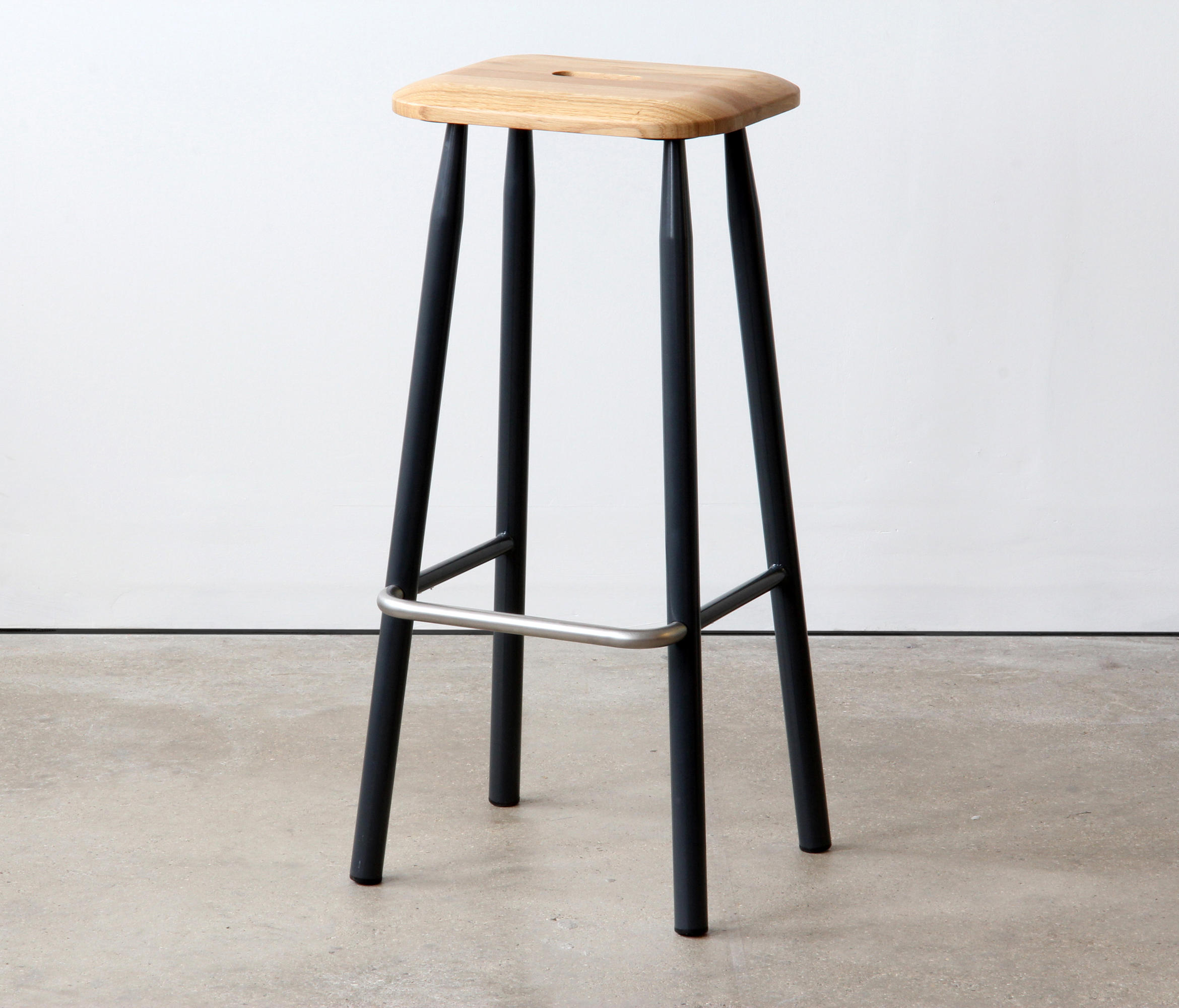 Vg P High Stool Bar Stools From Vg P Architonic