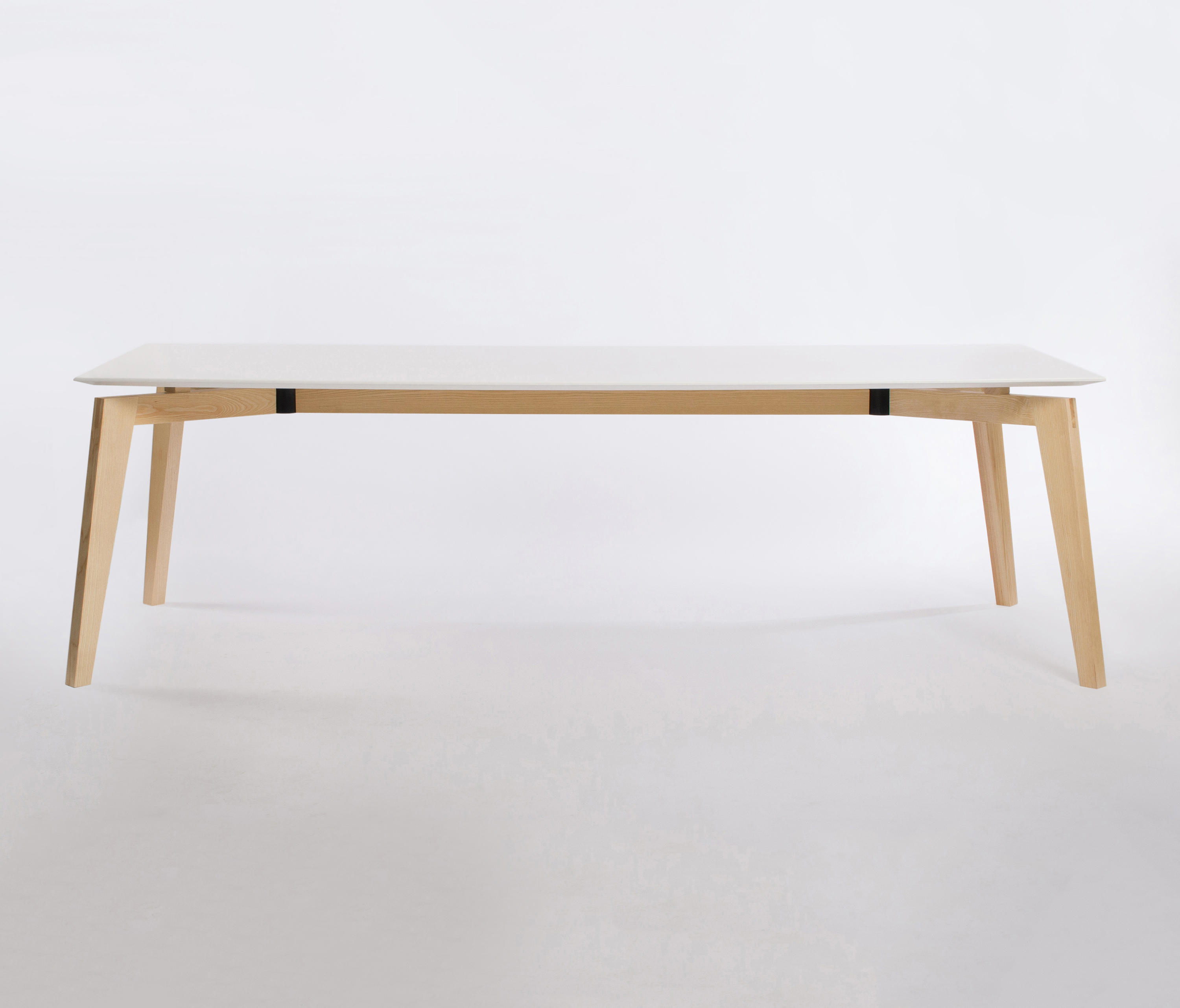 Private space dining table ash 240 meeting room tables for Table 52 private dining