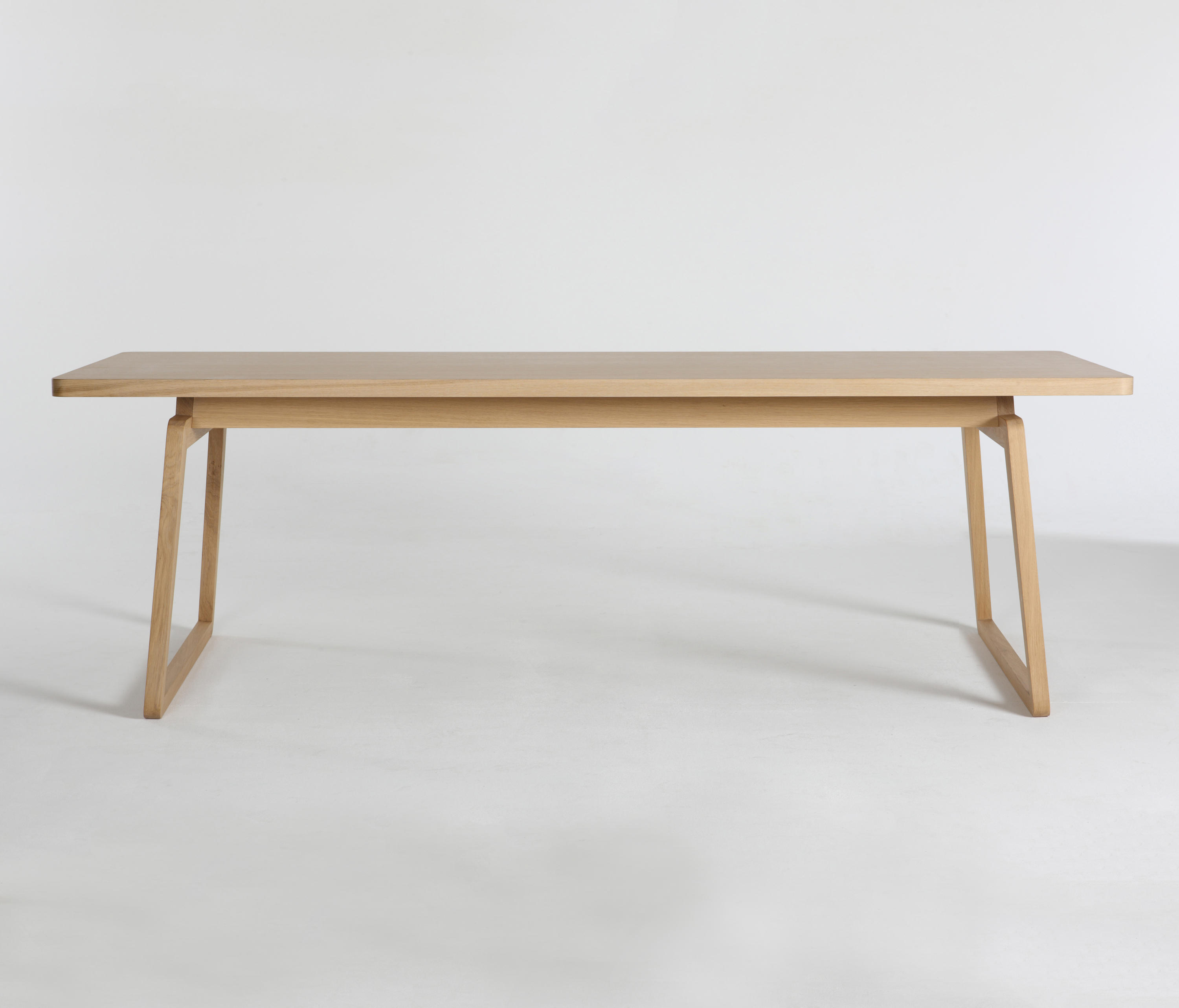 Private space dining table oak sl meeting room tables for Table 52 private dining