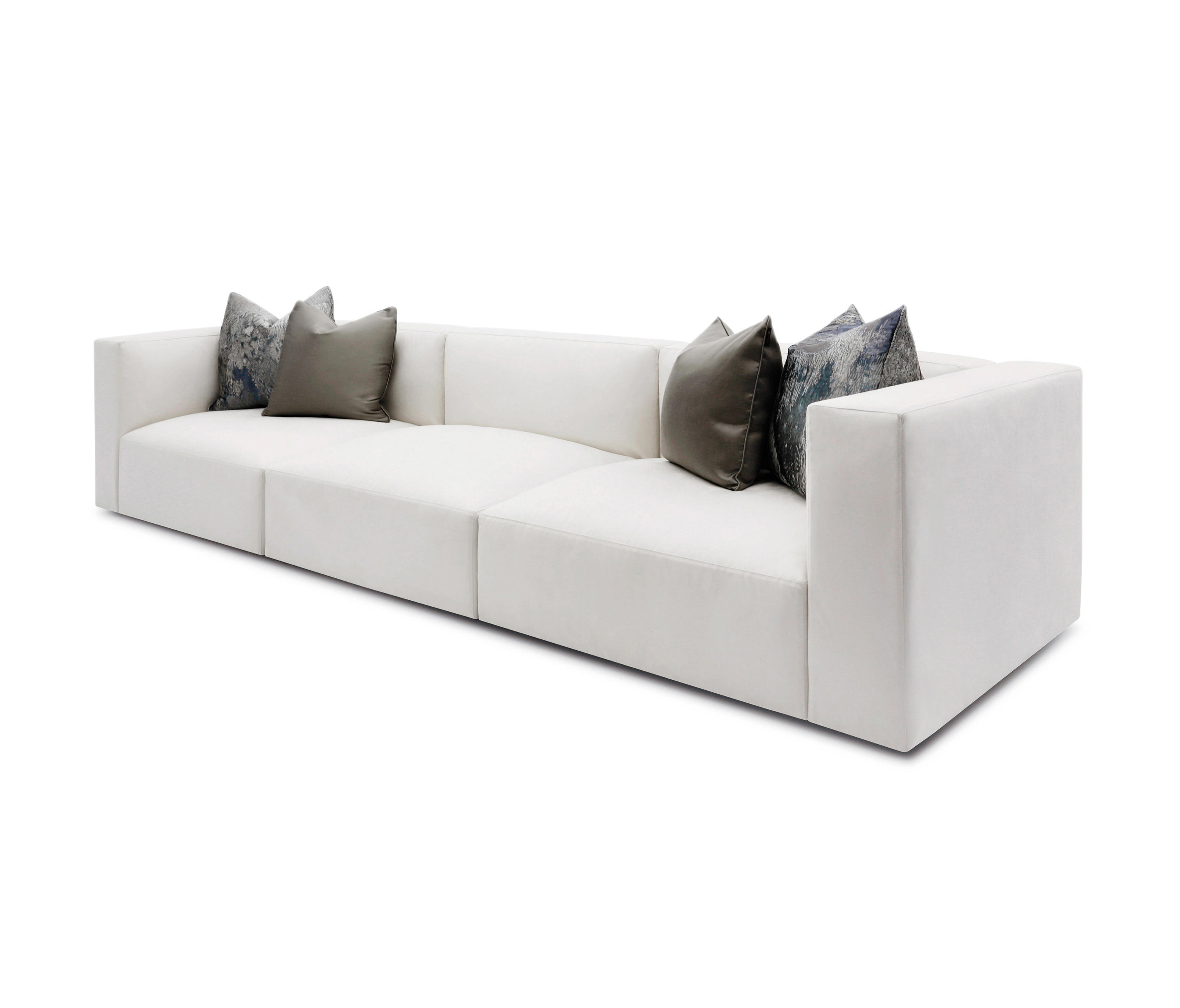 Hayward sofa canap s d 39 attente de the sofa chair for The canape company