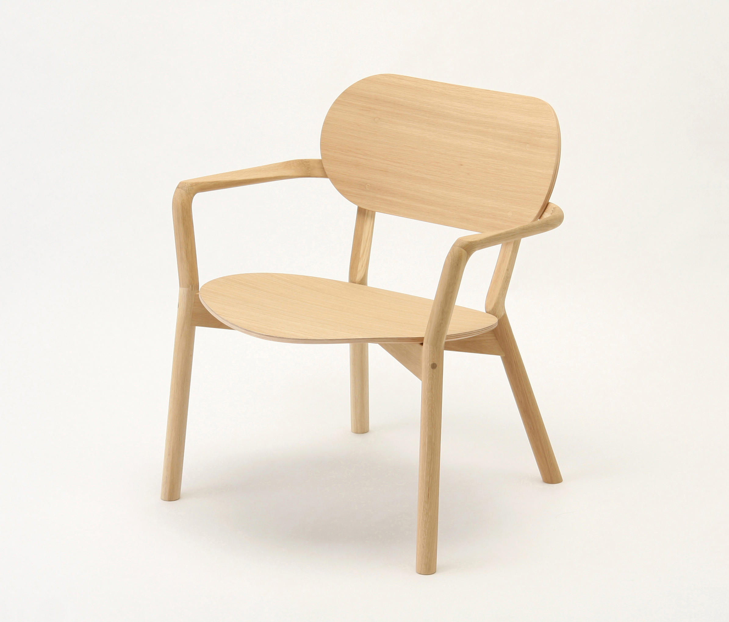 CASTOR LOW CHAIR Lounge chairs from Karimoku New