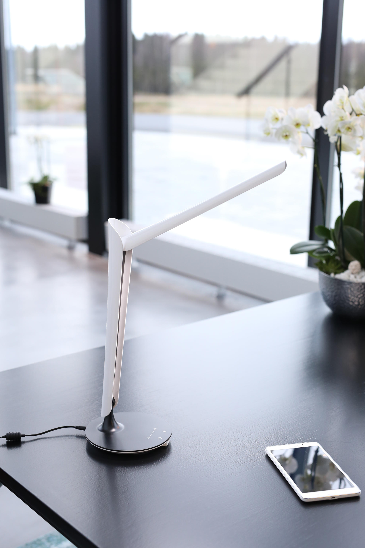 Tulip Desk Lamp By Götessons | USB Power Sockets