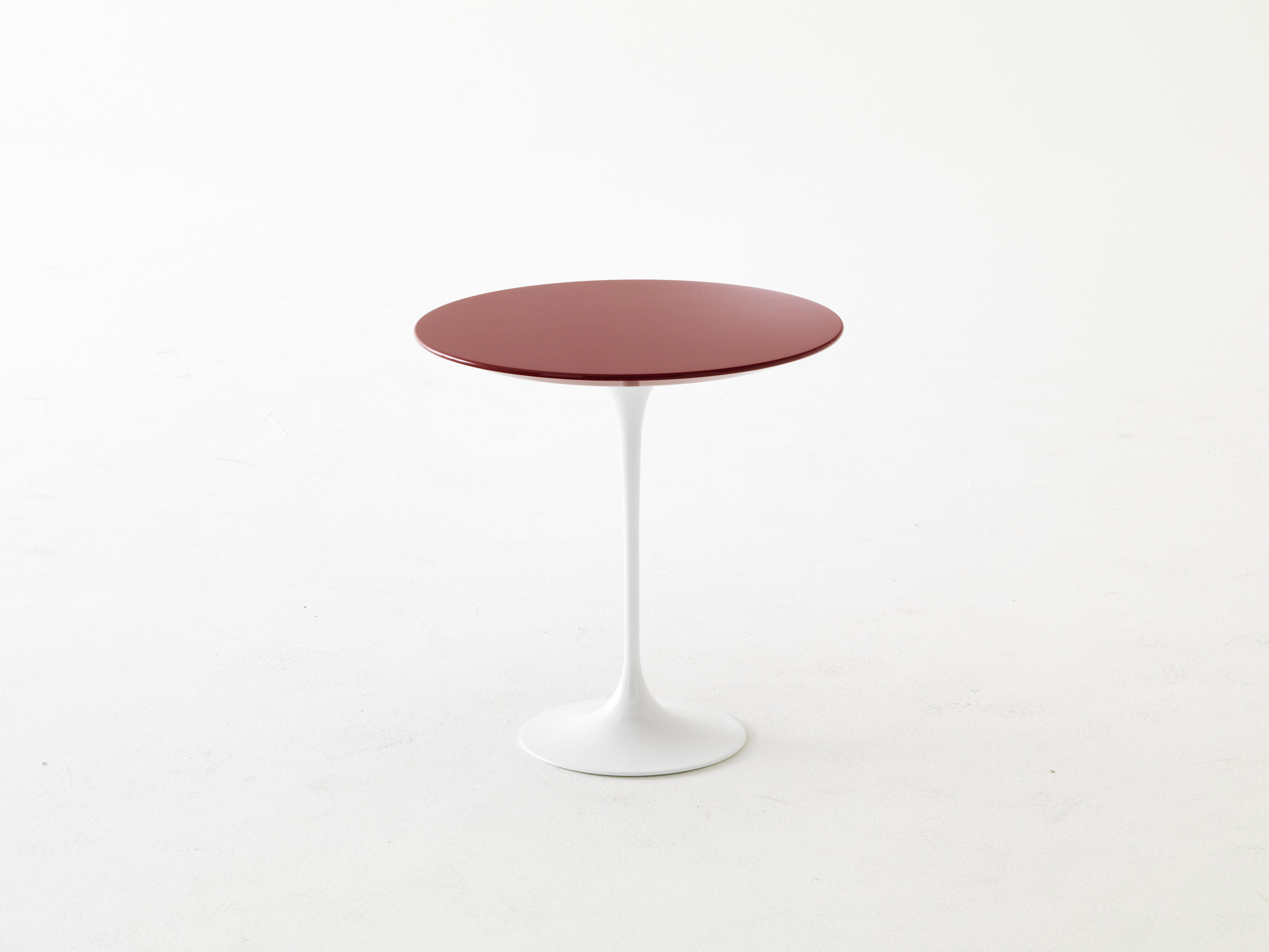 Saarinen tulip table basse tables basses de knoll international architonic Table basse saarinen