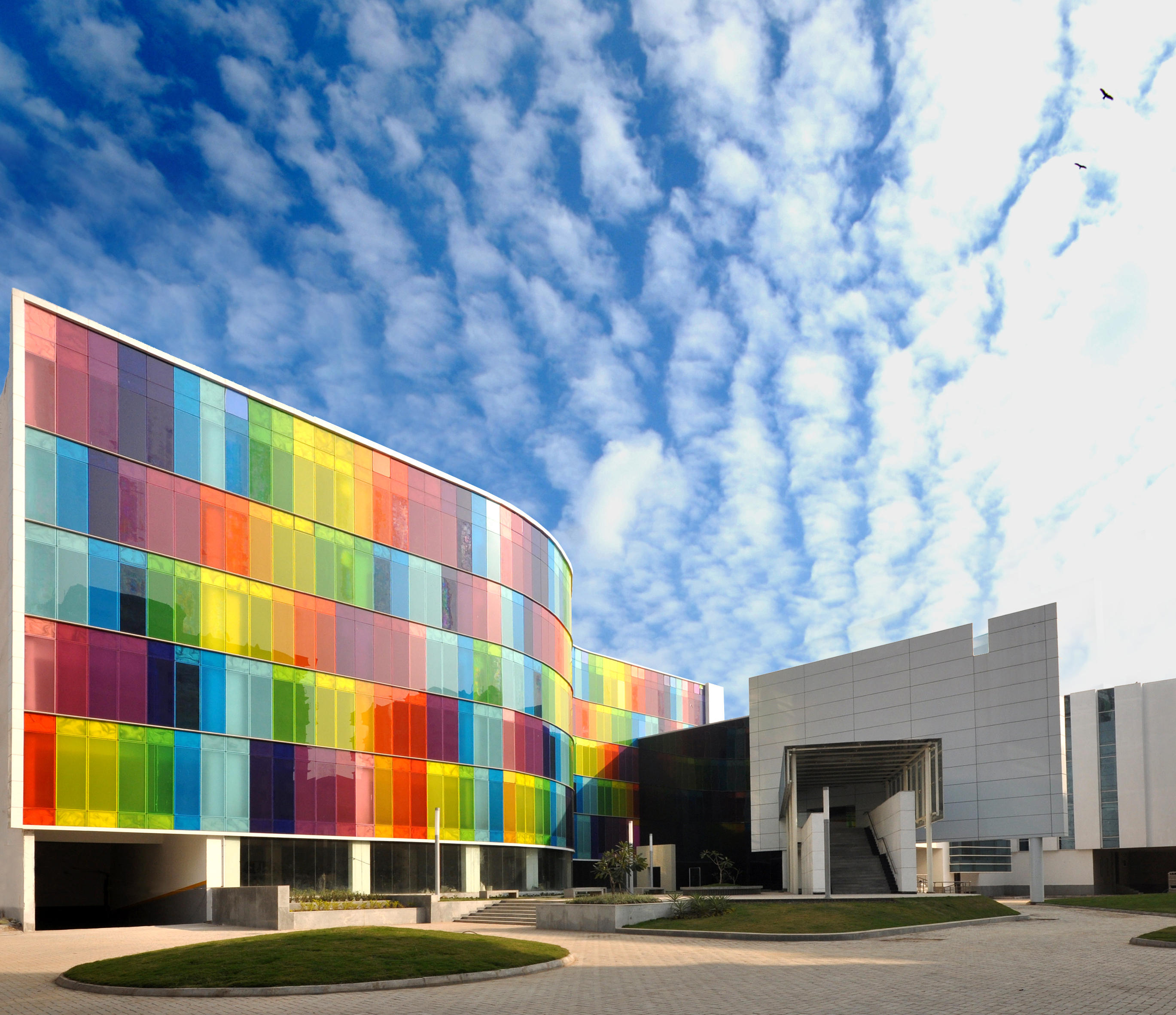 Colorful Buildings: GLASS FACADES/CURTAIN WALLS - Facade Systems