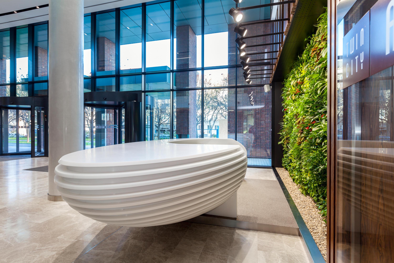 RECEPTION DESK Comptoirs De AMOS DESIGN Architonic - Carrelage salle de bain et linie design tapis