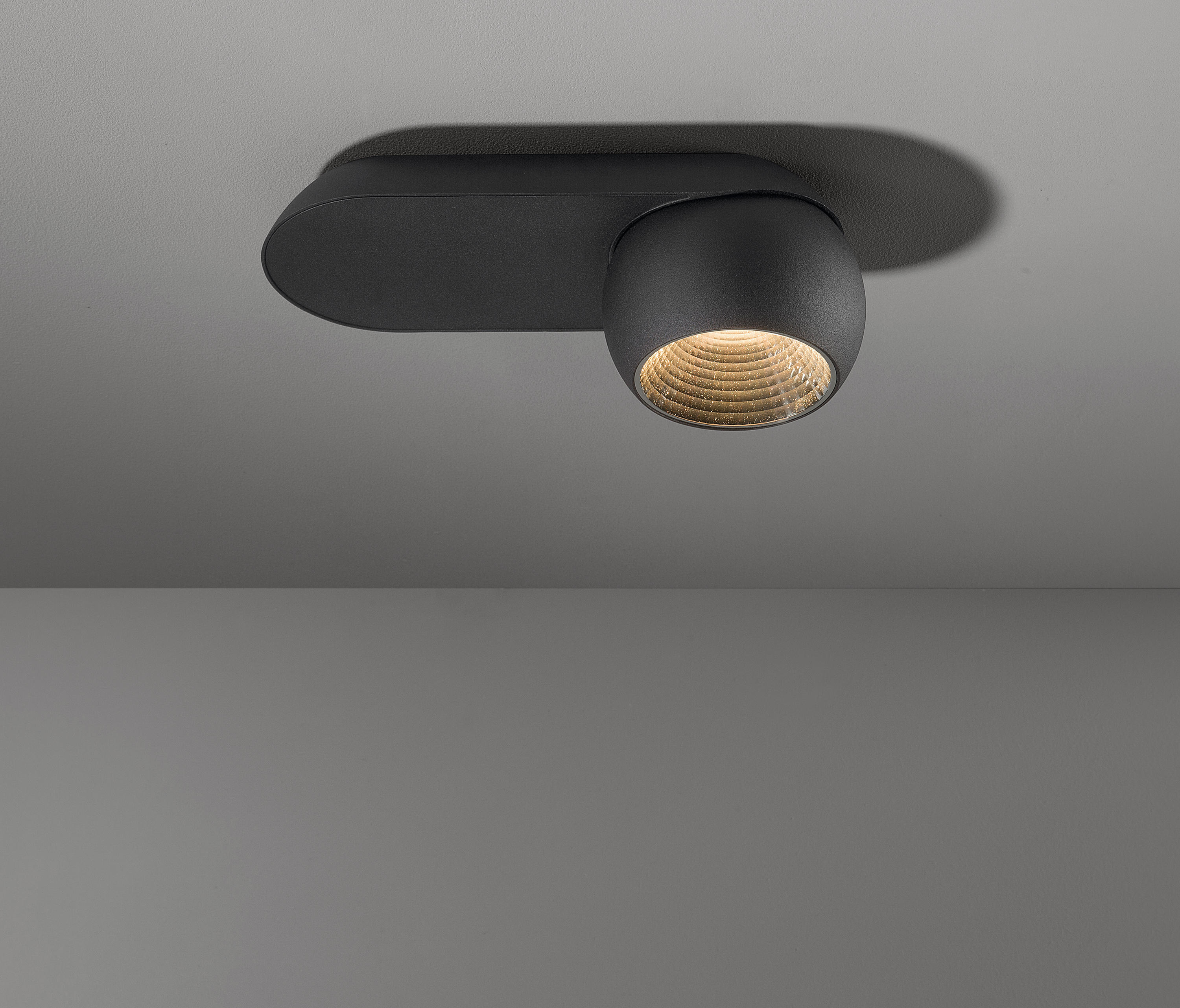 marbul ceiling mounted spotlights from modular lighting. Black Bedroom Furniture Sets. Home Design Ideas