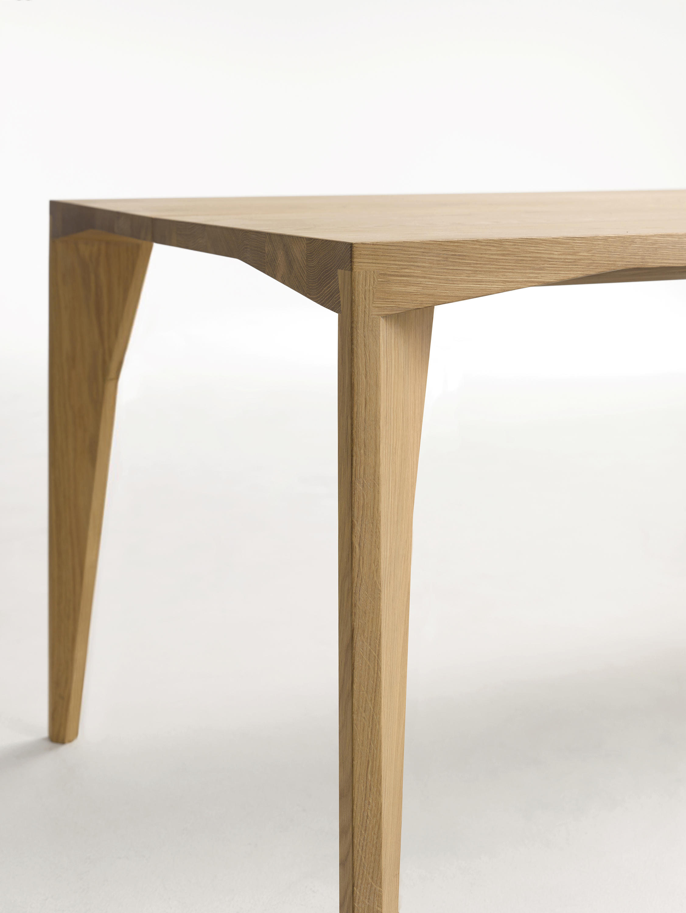 Delta Table Dining Tables From Cor Architonic