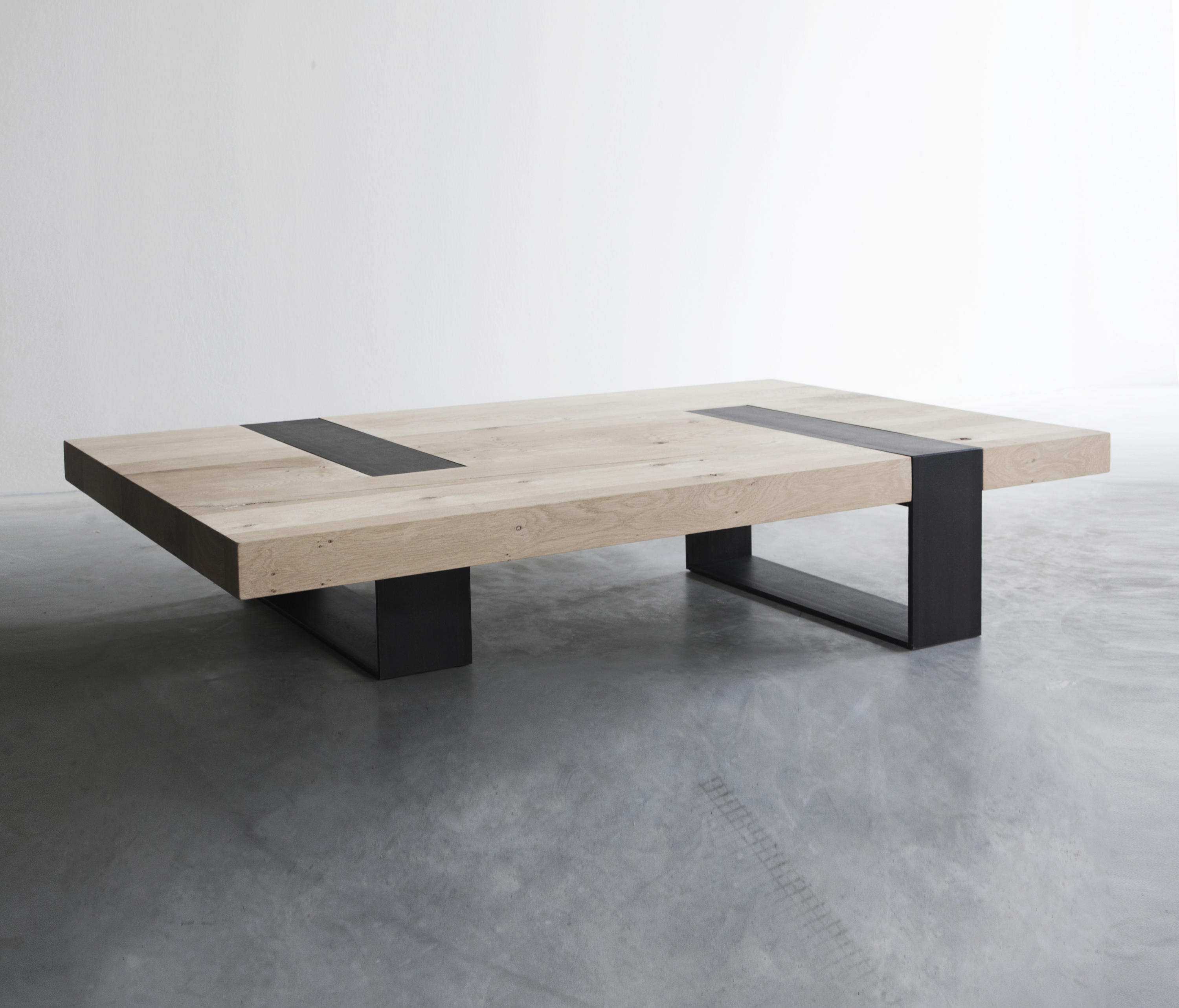 CLIP COFFEE TABLE Lounge tables from Van Rossum