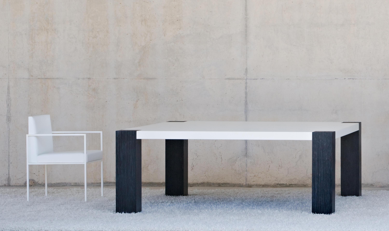 Mansion dining table dining tables from baltus architonic - Mesita de comedor ...