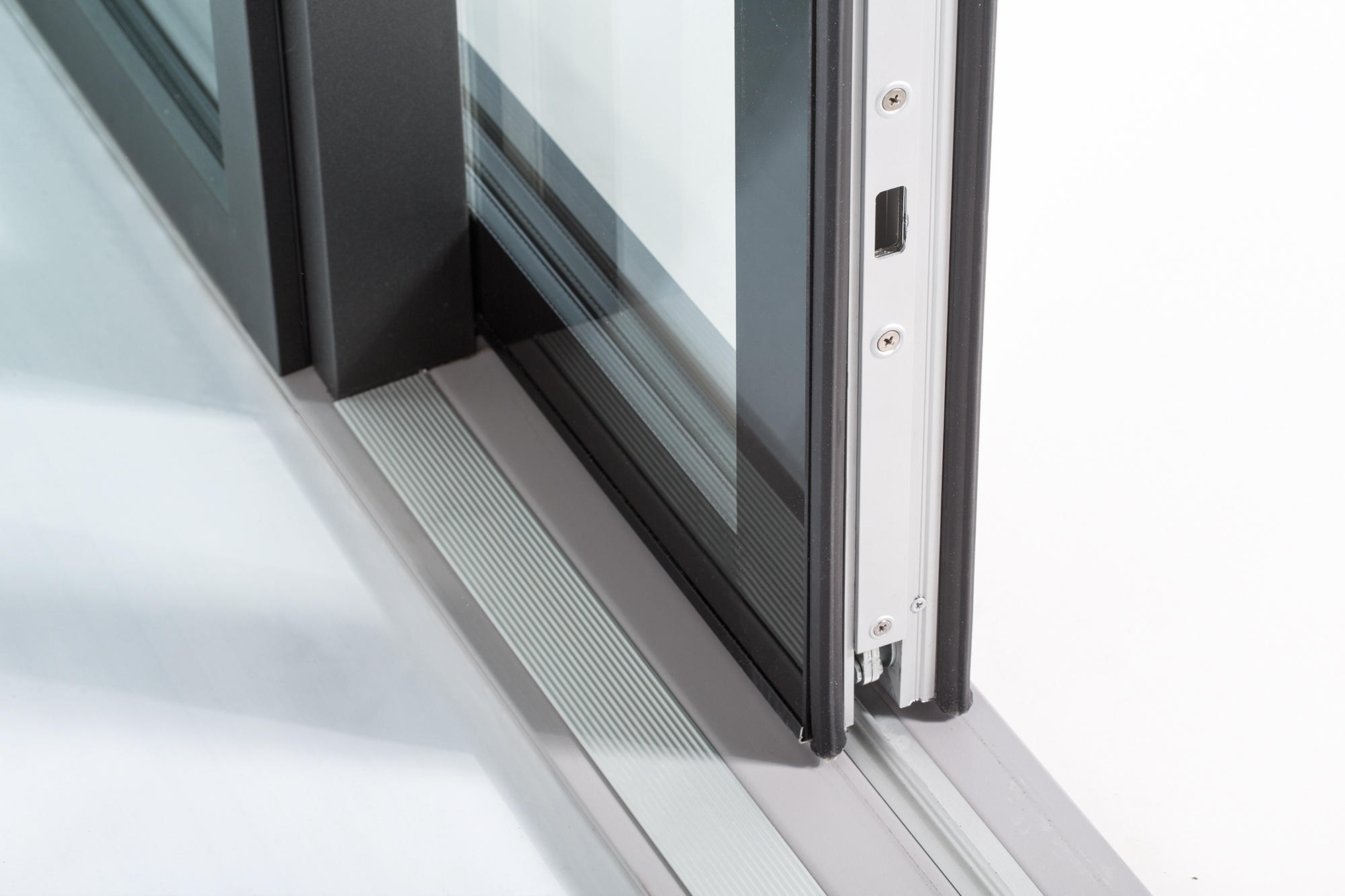 Lift and slide door cristal french doors from finstral for Porte lift and slide