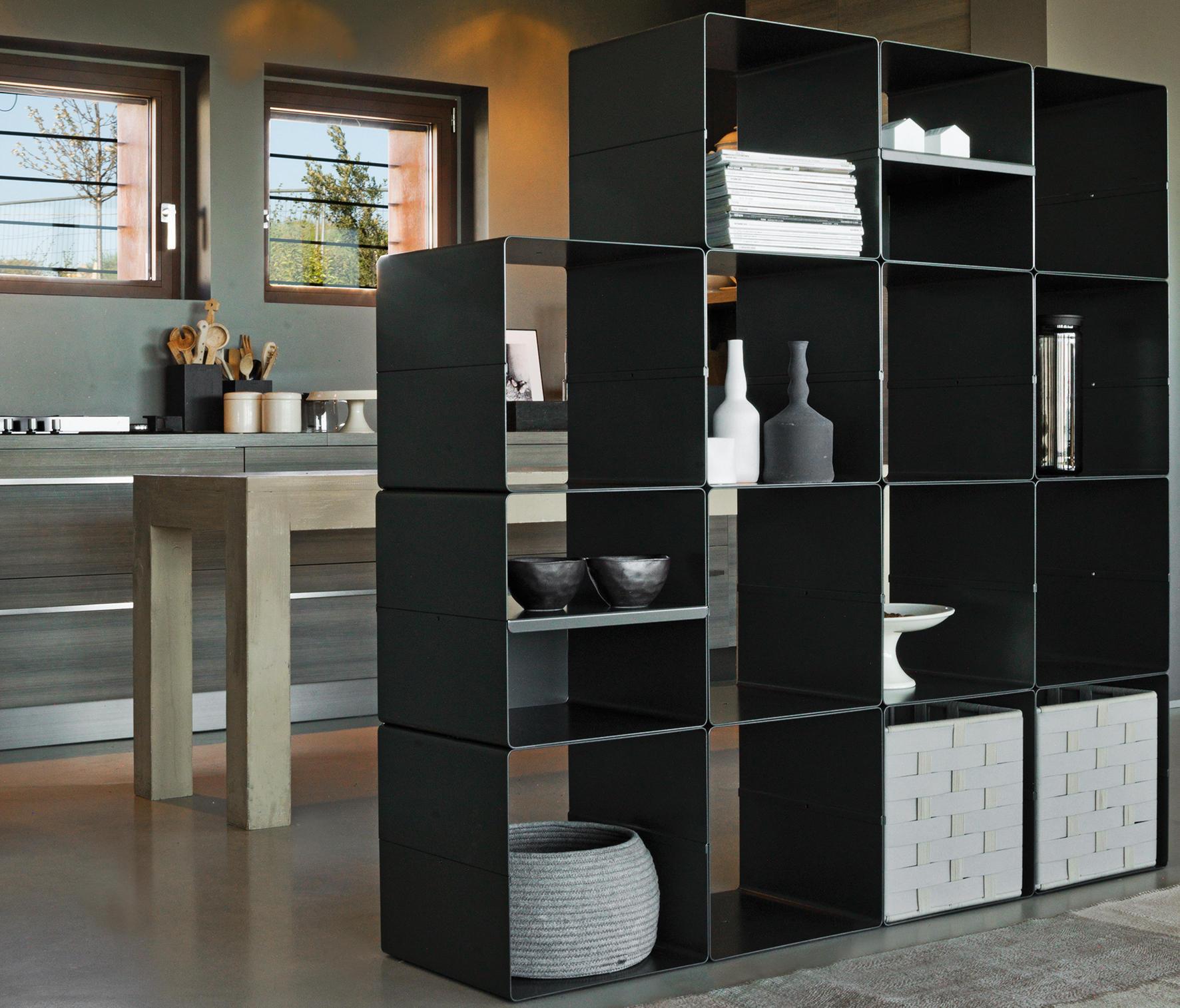 kolta regalmodule von verzelloni architonic. Black Bedroom Furniture Sets. Home Design Ideas