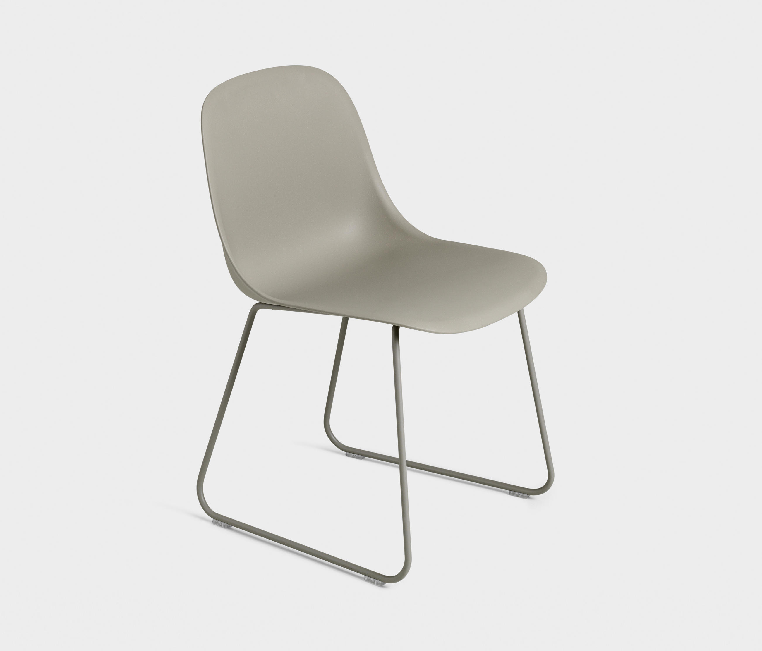 fiber side chair sled base chairs from muuto architonic. Black Bedroom Furniture Sets. Home Design Ideas