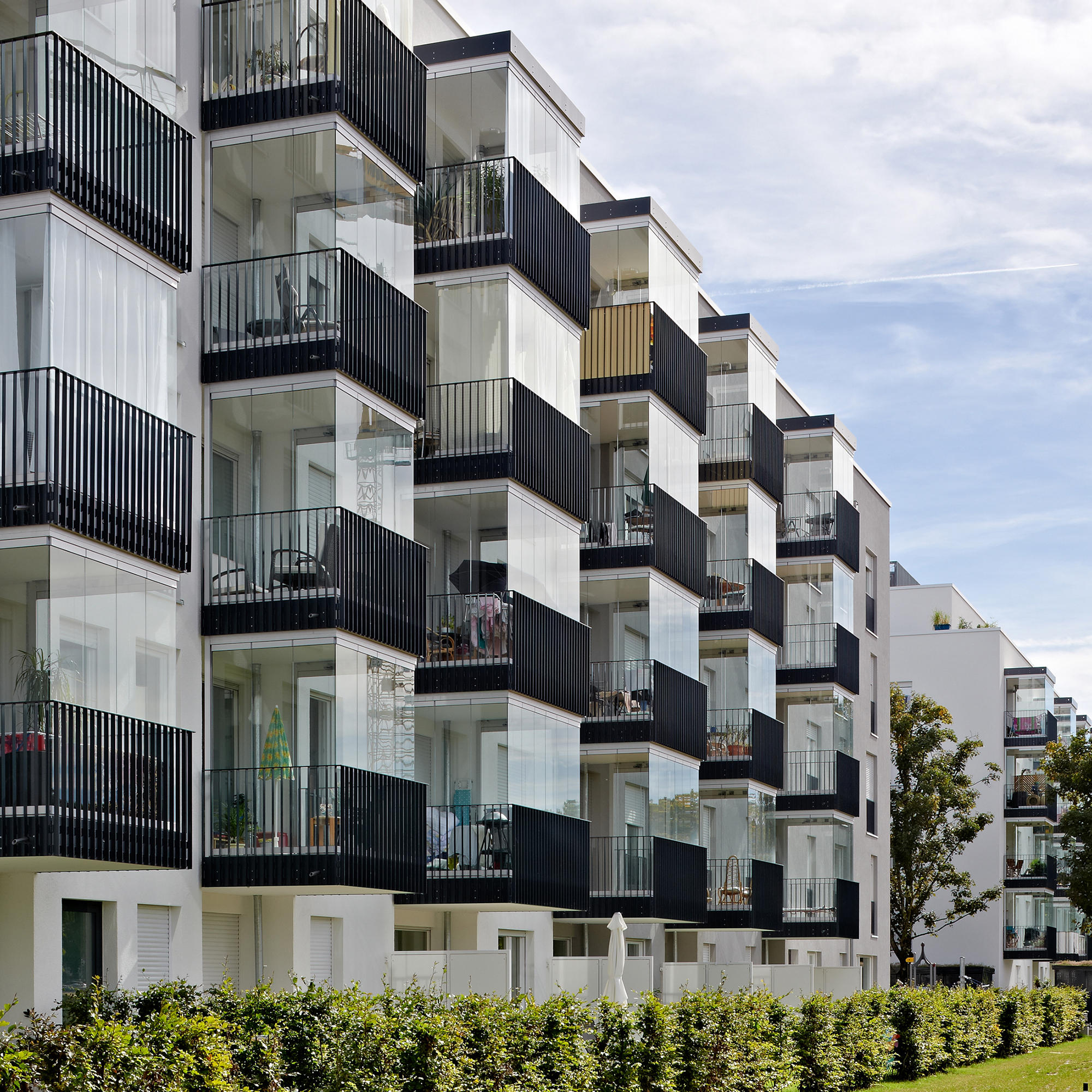 balcony glasing sl 25 xxl vitrages de balcons de. Black Bedroom Furniture Sets. Home Design Ideas