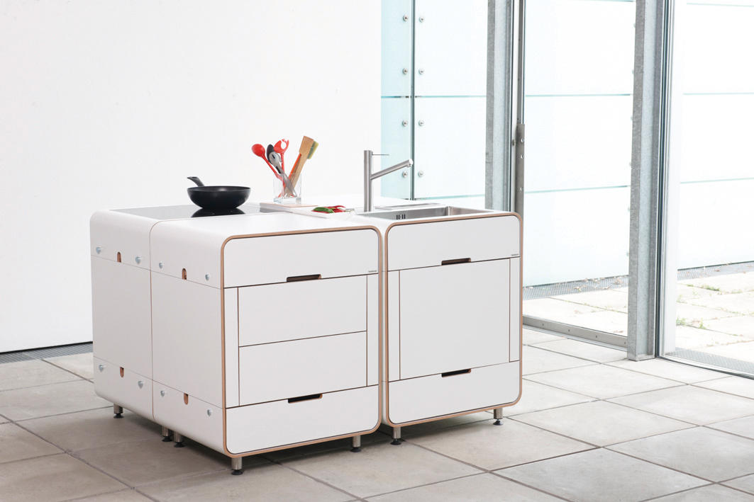 A la carte modular kitchen by Stadtnomaden | Compact kitchens : ala carte table setting - pezcame.com
