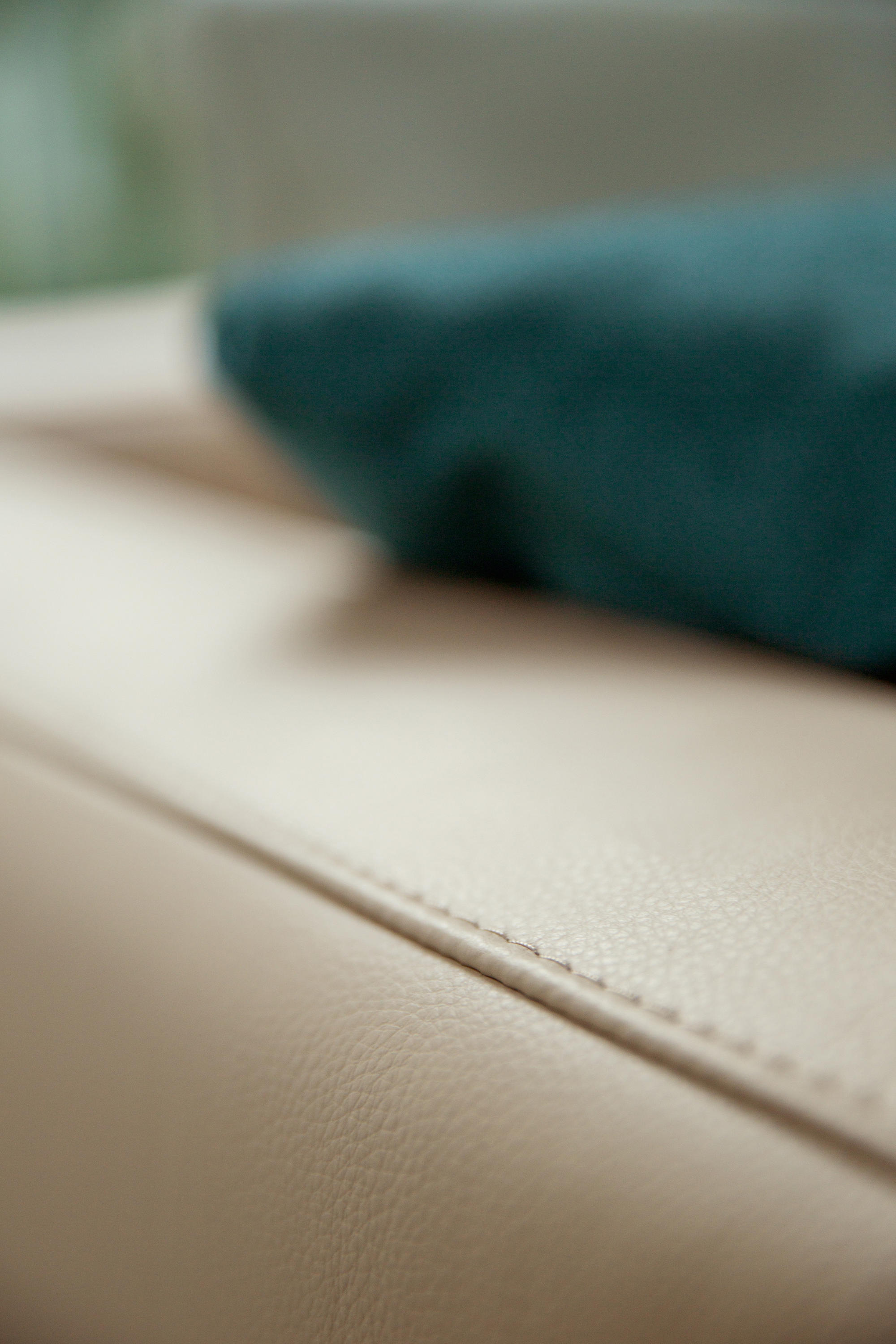 Bowie Sofas From Alberta Pacific Furniture Architonic