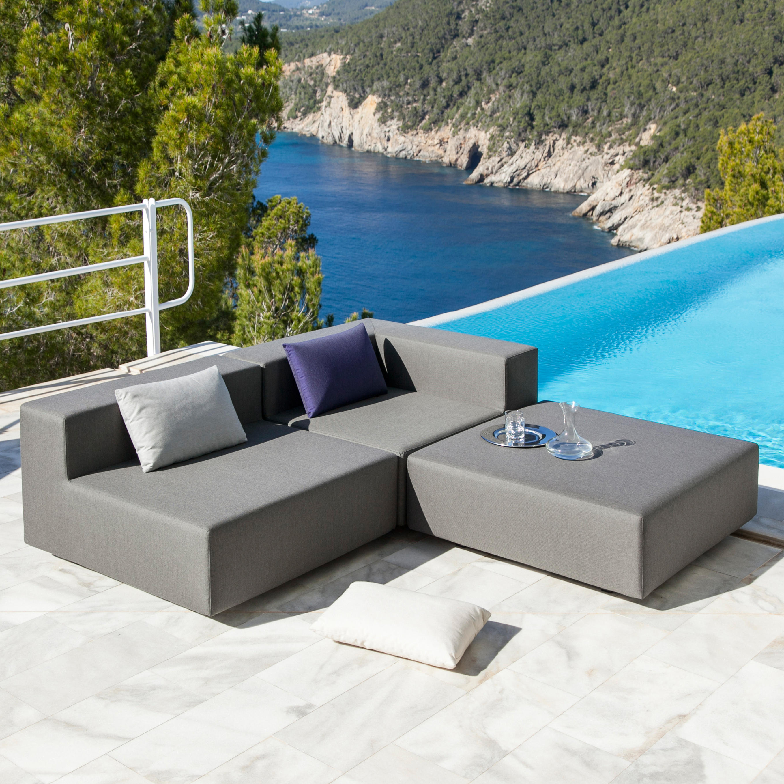loop sofa garden sofas from april furniture architonic 1 push ad nr2 architonic 2 - Garden Furniture Lebanon