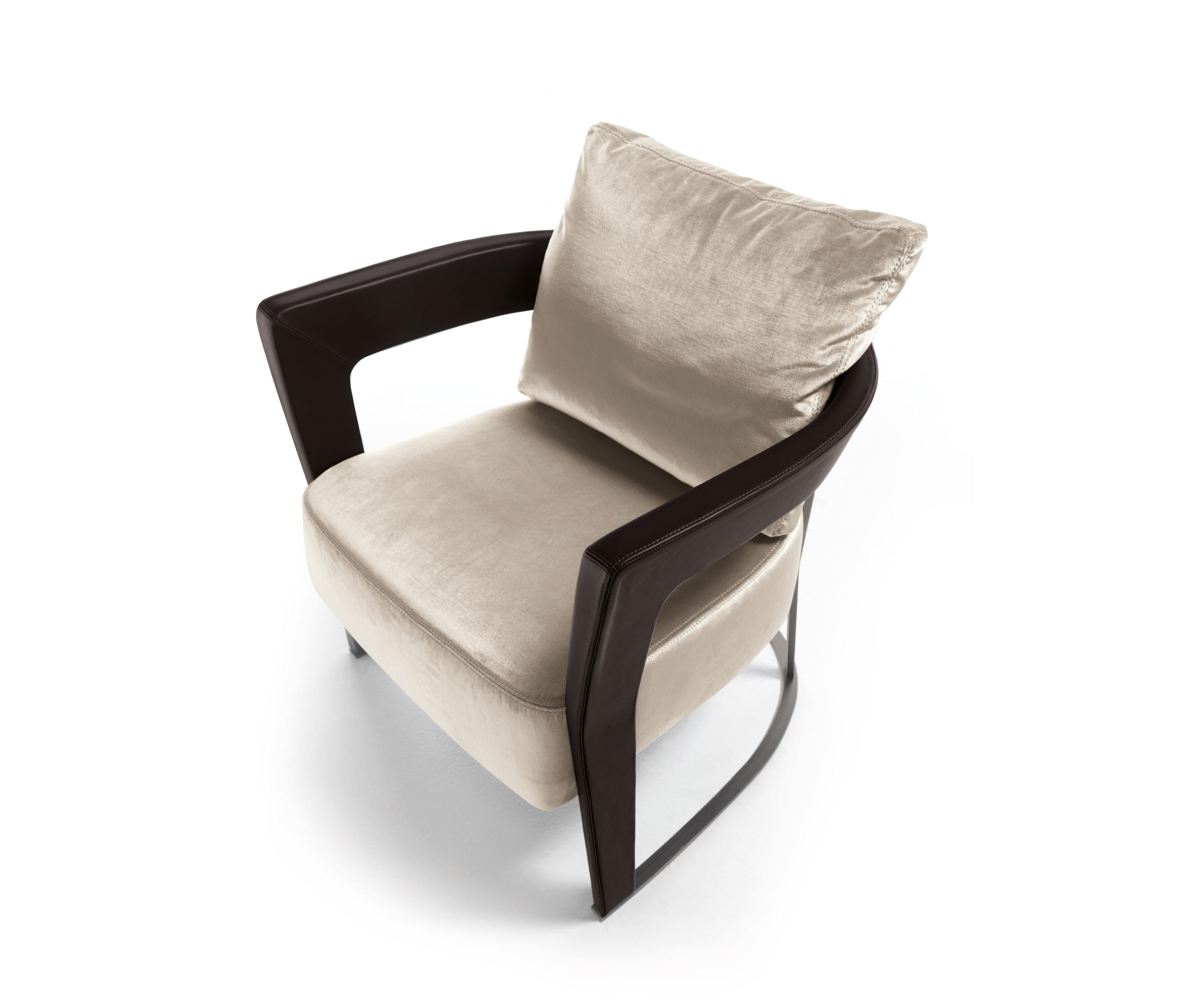 AGATHA Lounge chairs from Longhi S p a