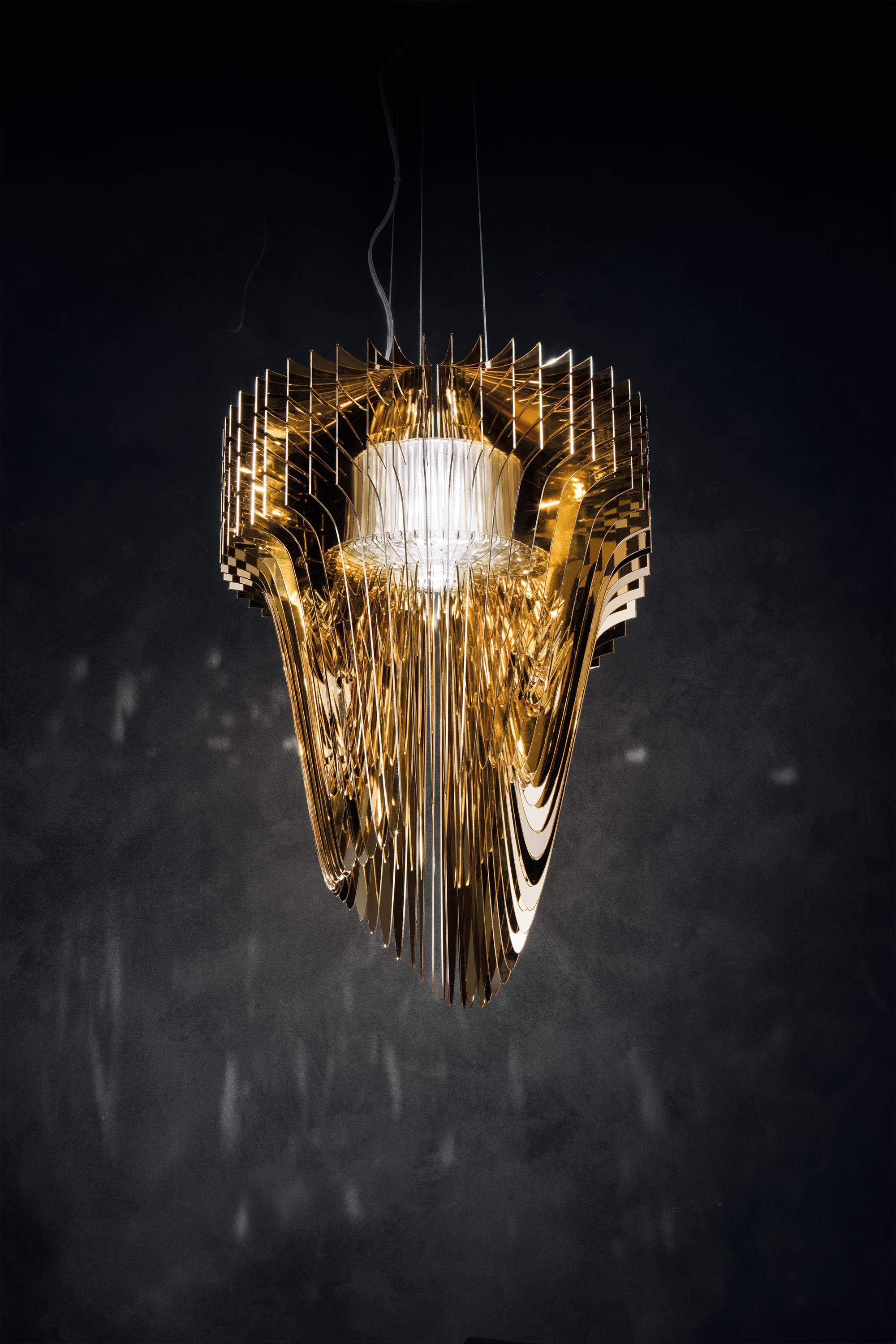Aria Gold Suspension Suspended Lights From Slamp Architonic