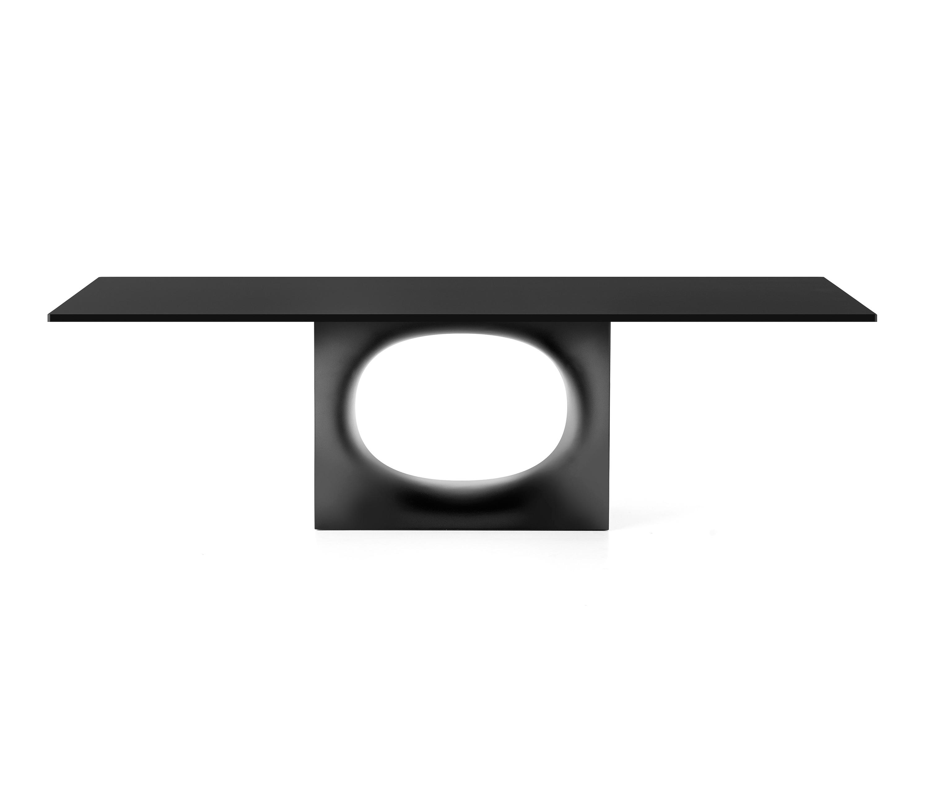 Holo table restaurant tables from kristalia architonic for Table kristalia
