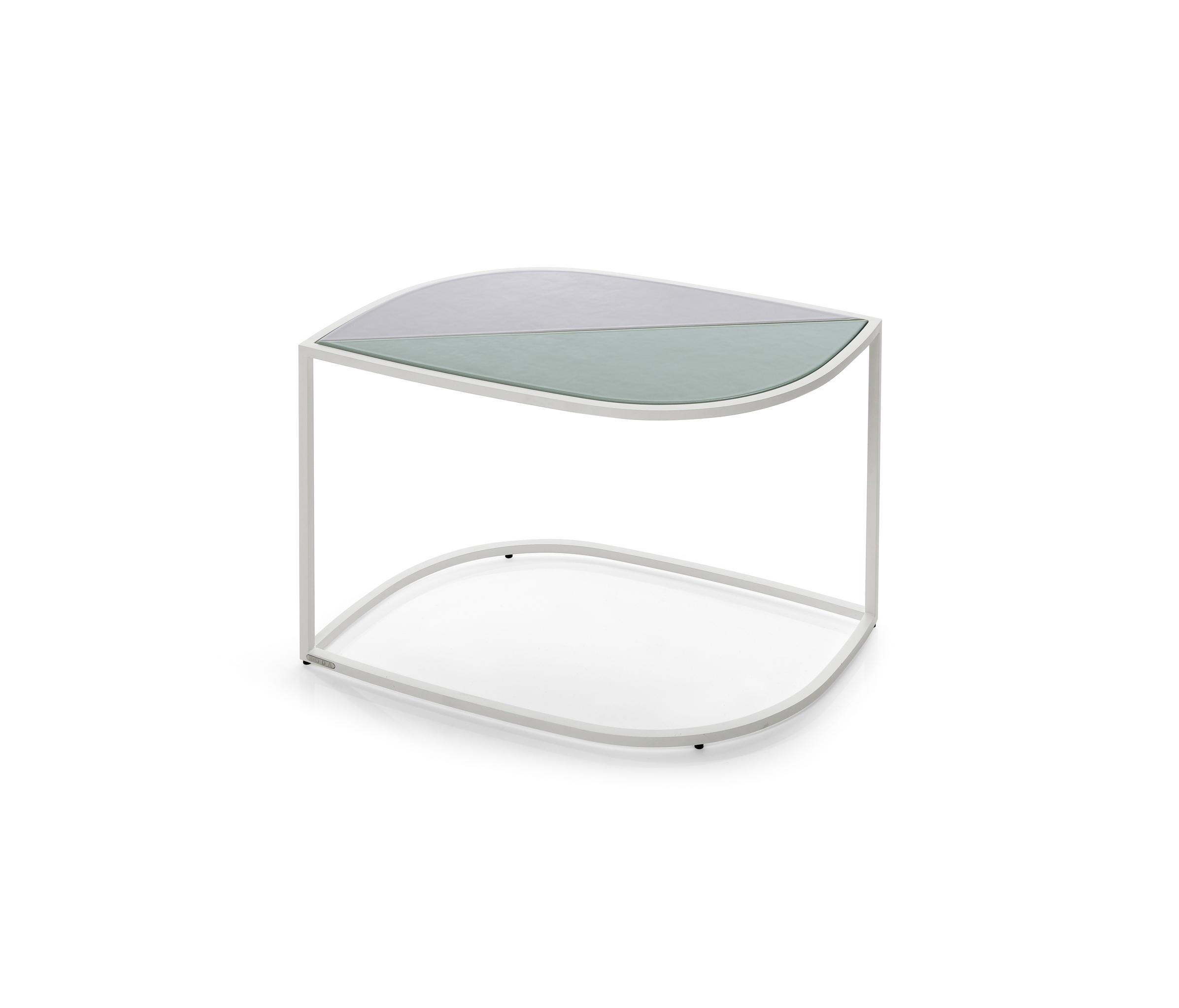 Roda Tavoli Da Giardino.Leaf Side Table Milk Mobili Designer Architonic