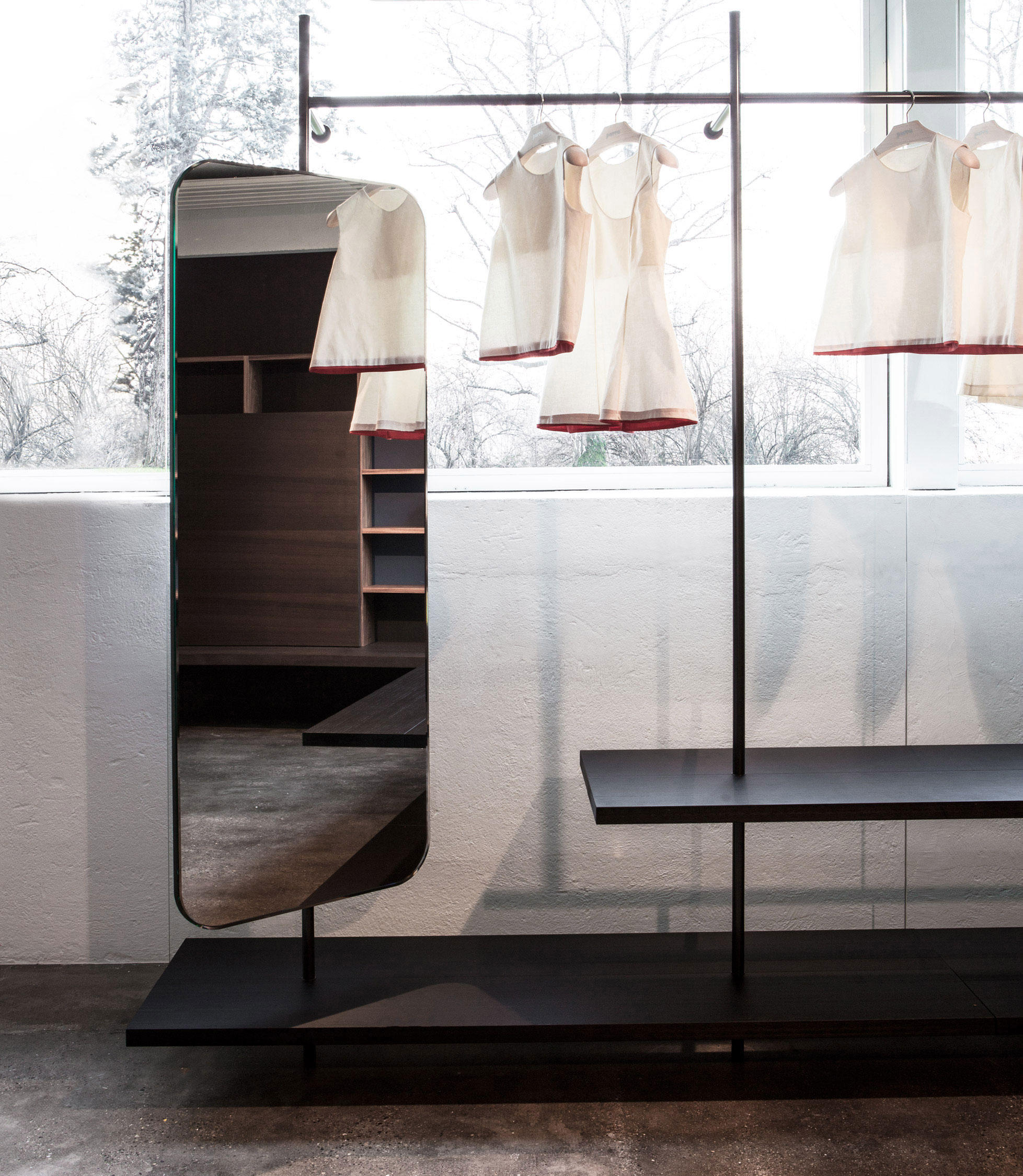 BOUTIQUE MAST - Shelving From PORRO