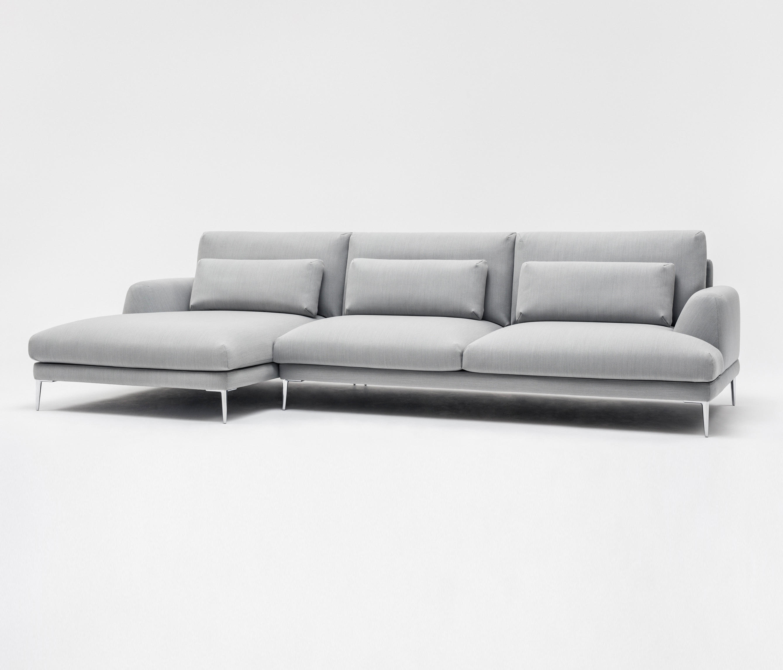 Classic Sofa Sofas From Comforty Architonic