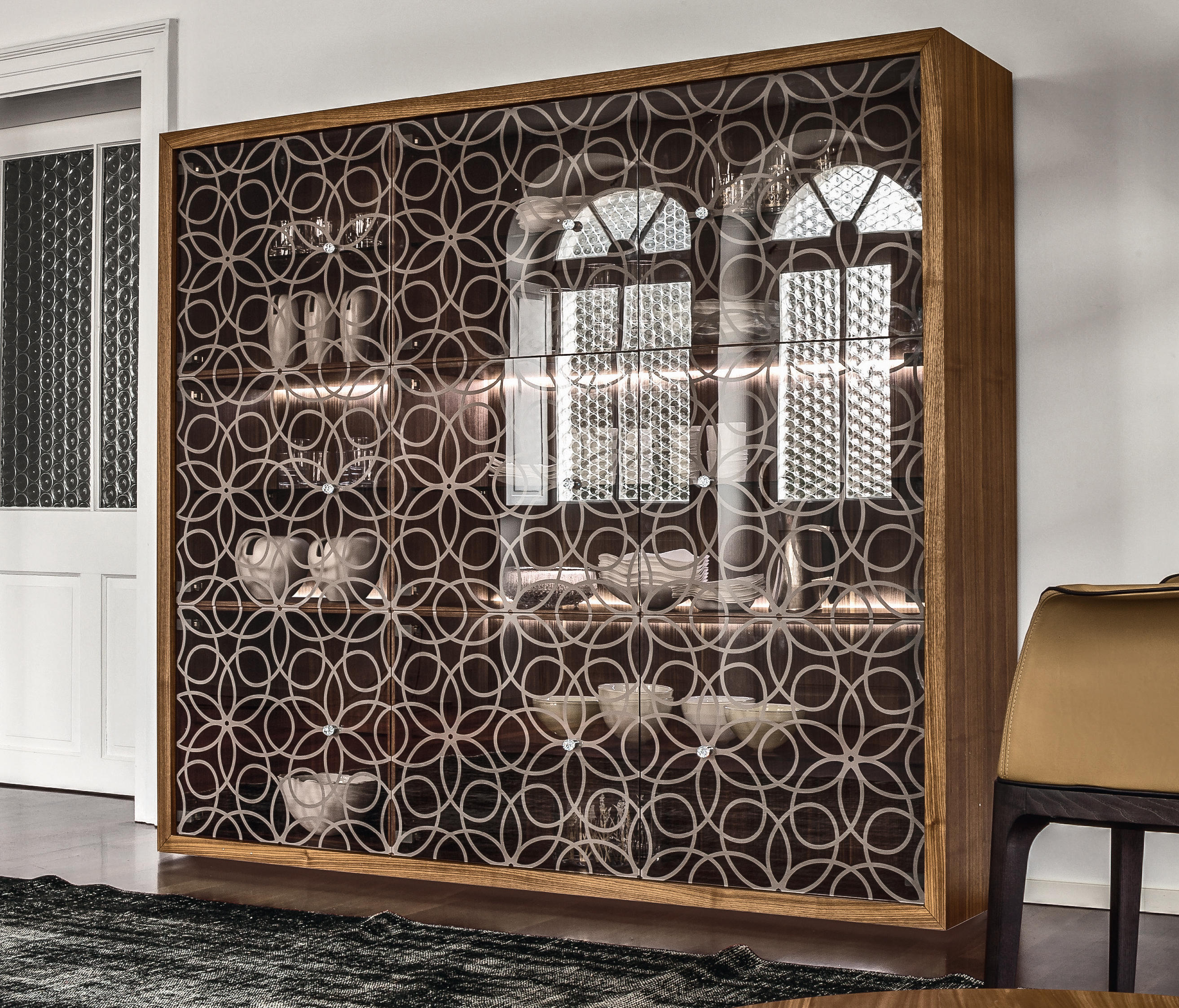 Granada display cabinets from tonin casa architonic - Casa de granada ...