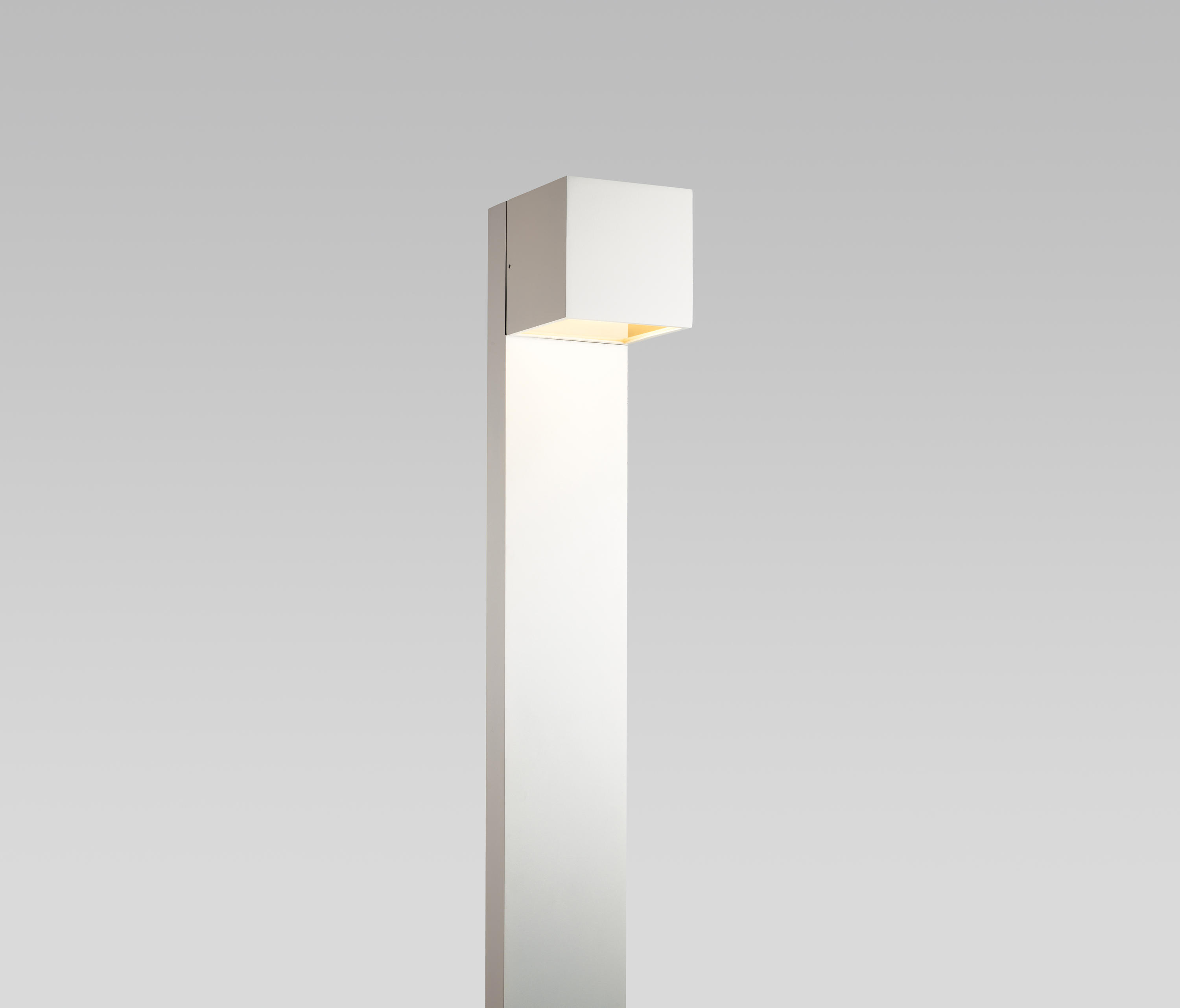 Light Stand Ground: CUBE XL GROUND LAMP - Spotlights From Light-Point