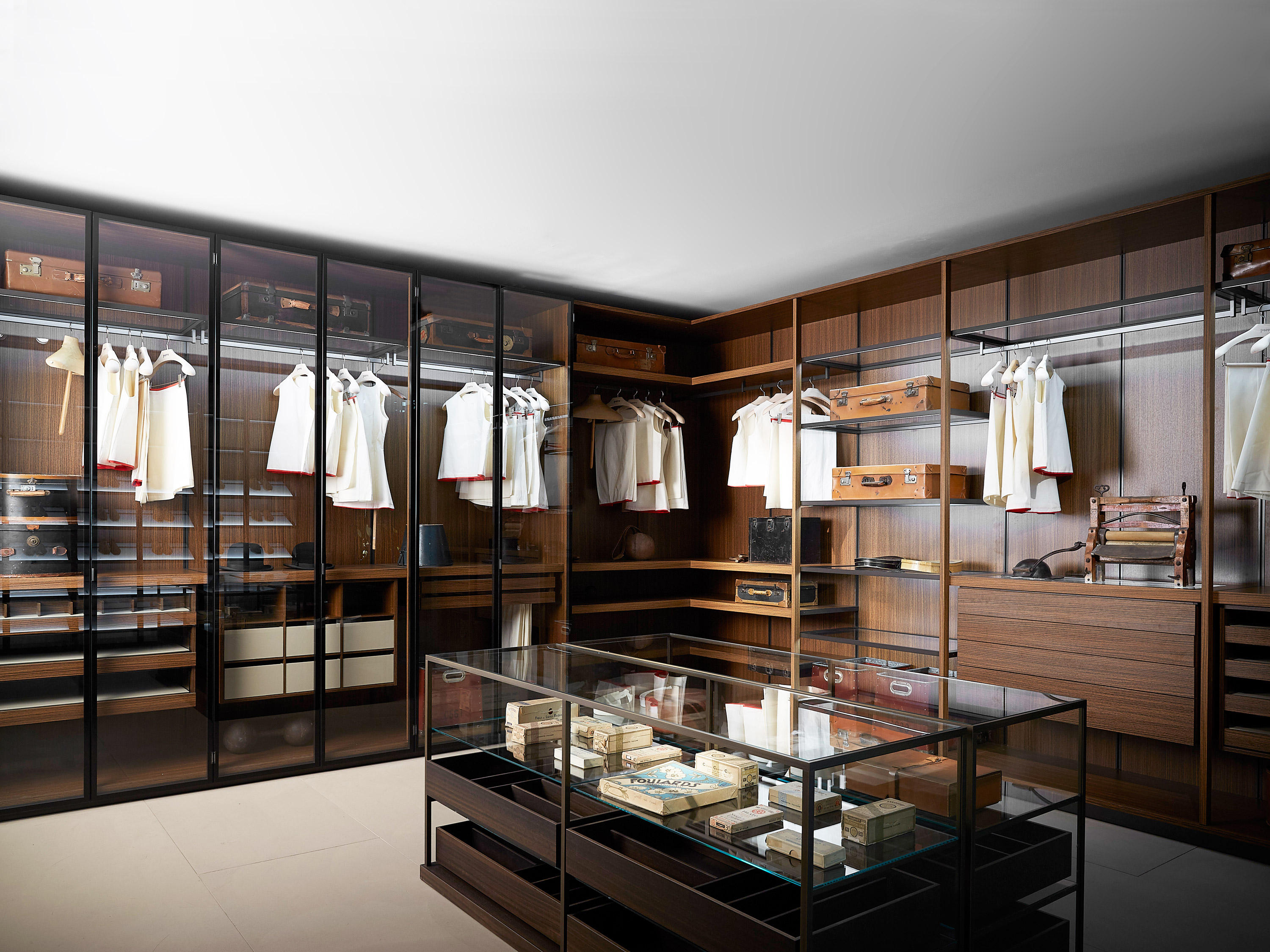 storage dressing room walk in wardrobes from porro architonic. Black Bedroom Furniture Sets. Home Design Ideas