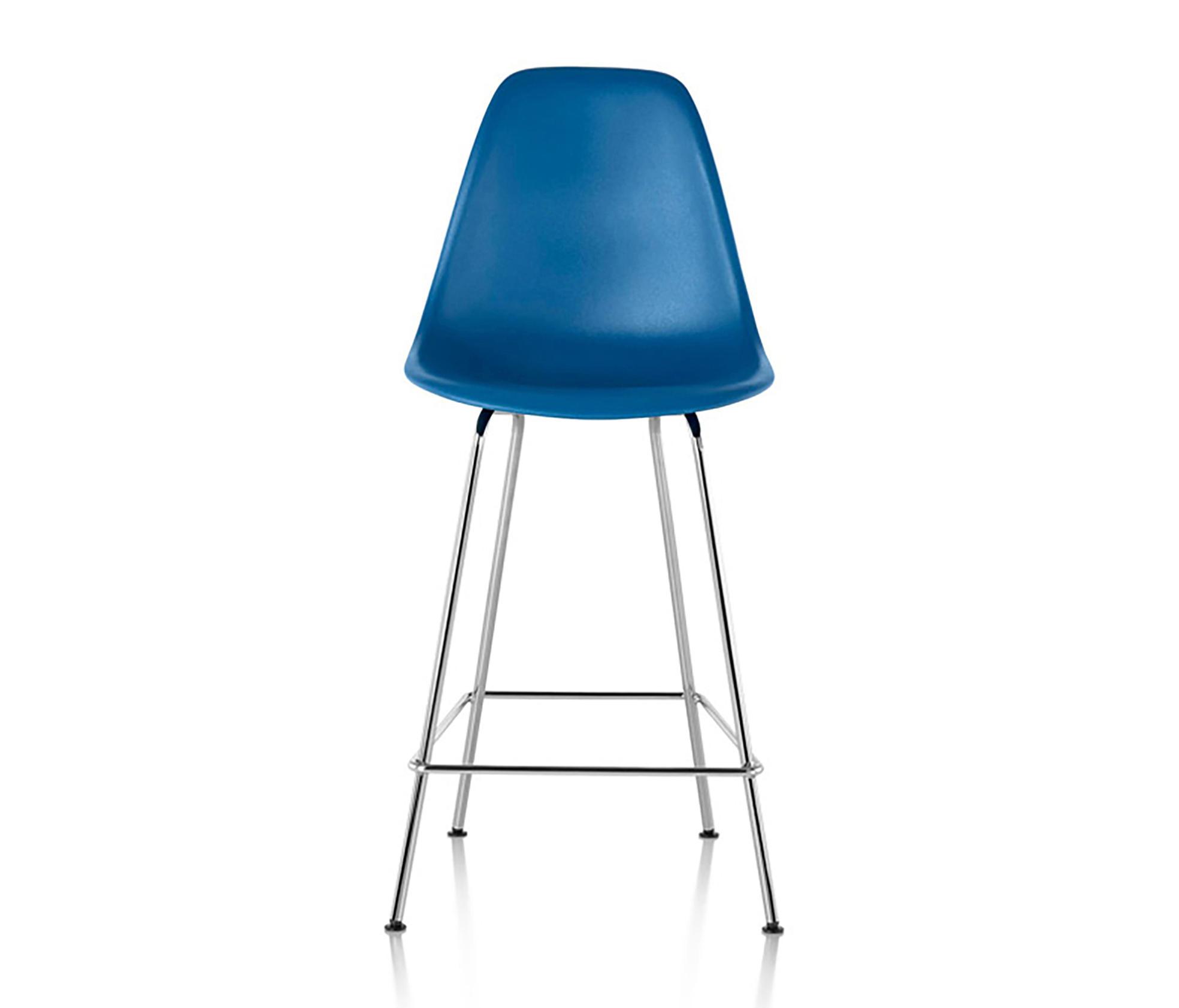 eames molded plastic stool barhocker von herman miller. Black Bedroom Furniture Sets. Home Design Ideas