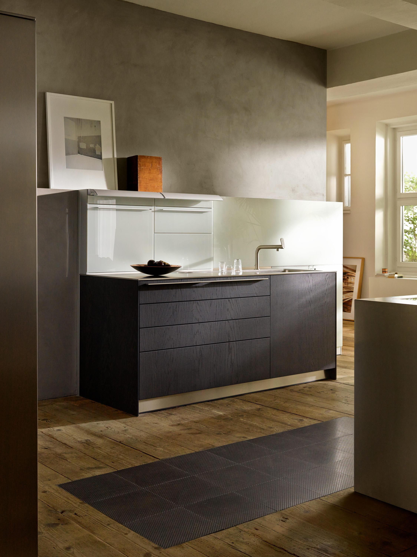 b3 veneer and solid wood cucine a parete bulthaup. Black Bedroom Furniture Sets. Home Design Ideas