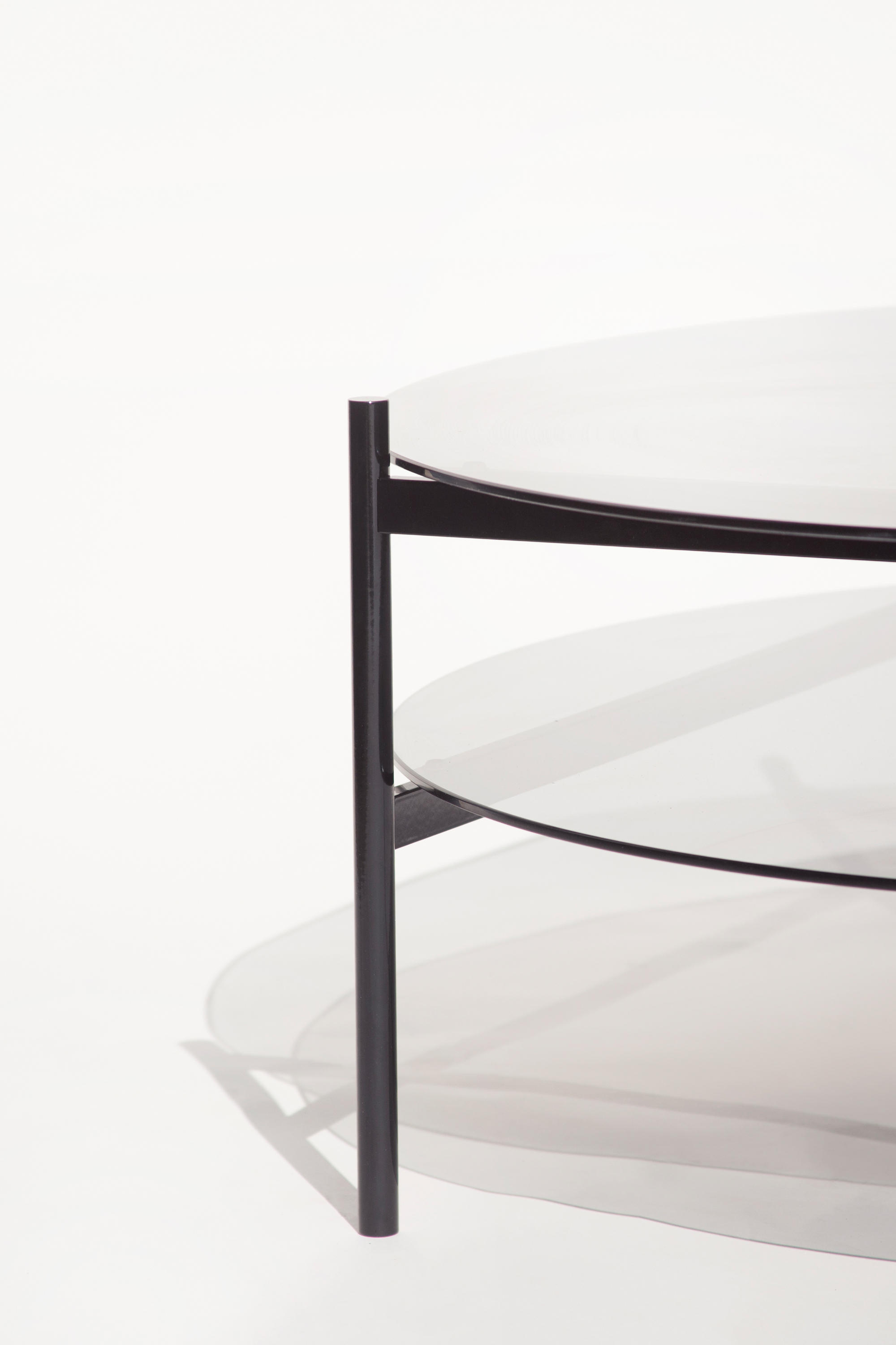 ... Duotone Circular Coffee Table | Black / Smoked By Yield | Lounge Tables