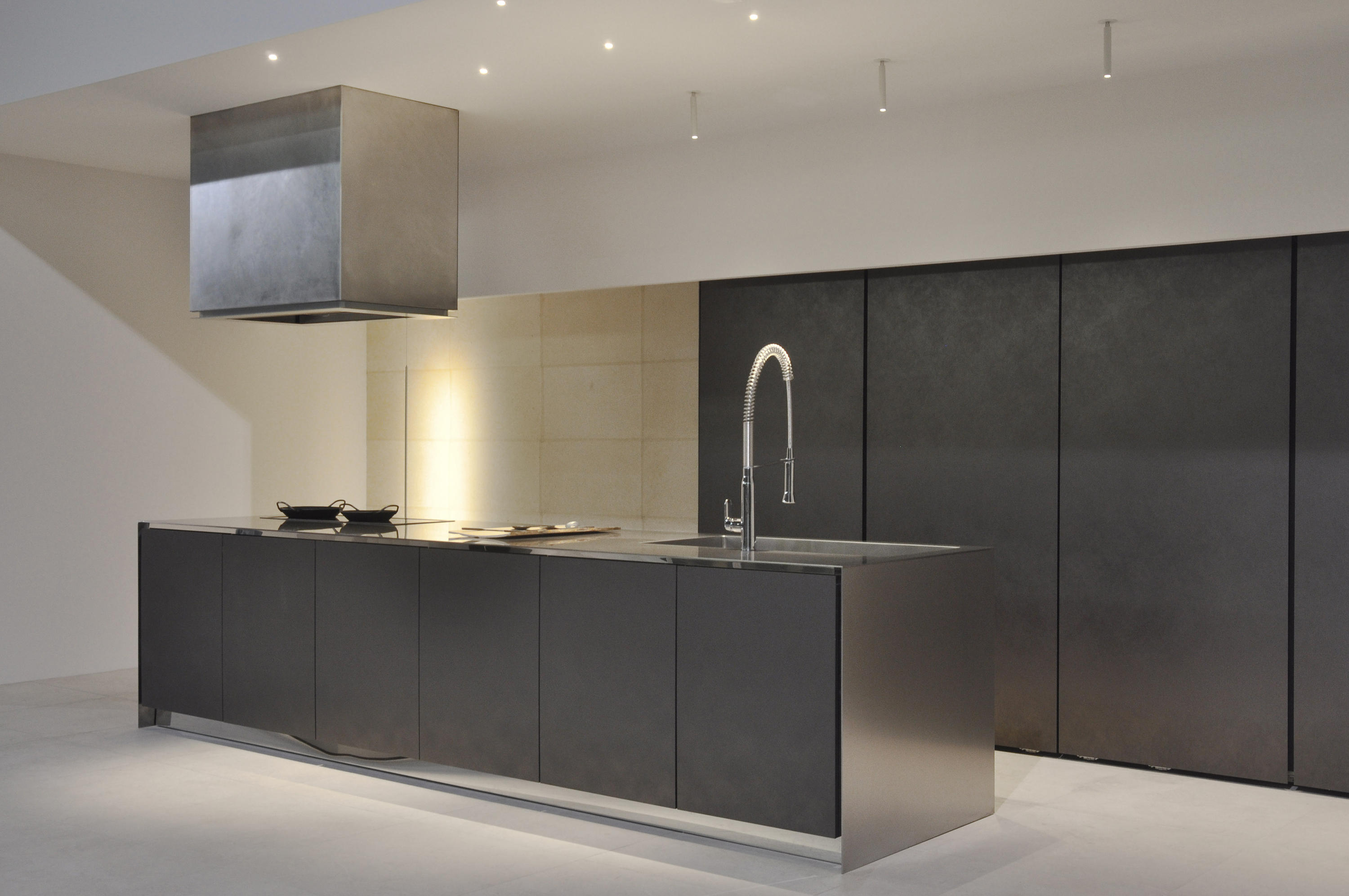 Zan fitted kitchens from sanwa company architonic for Fitted kitchen companies