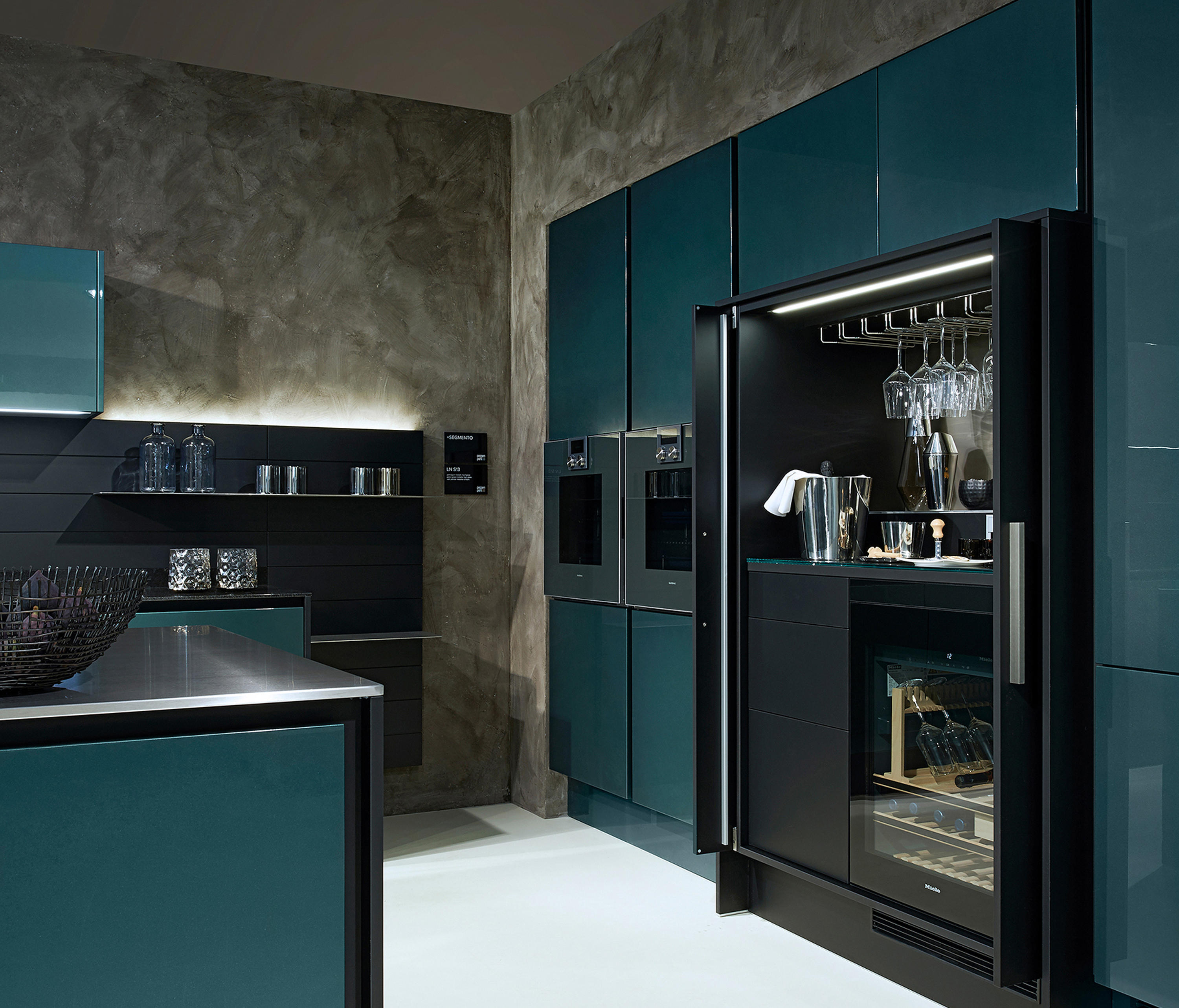 Chrome Plated Lacquer Fitted Kitchens From Poggenpohl
