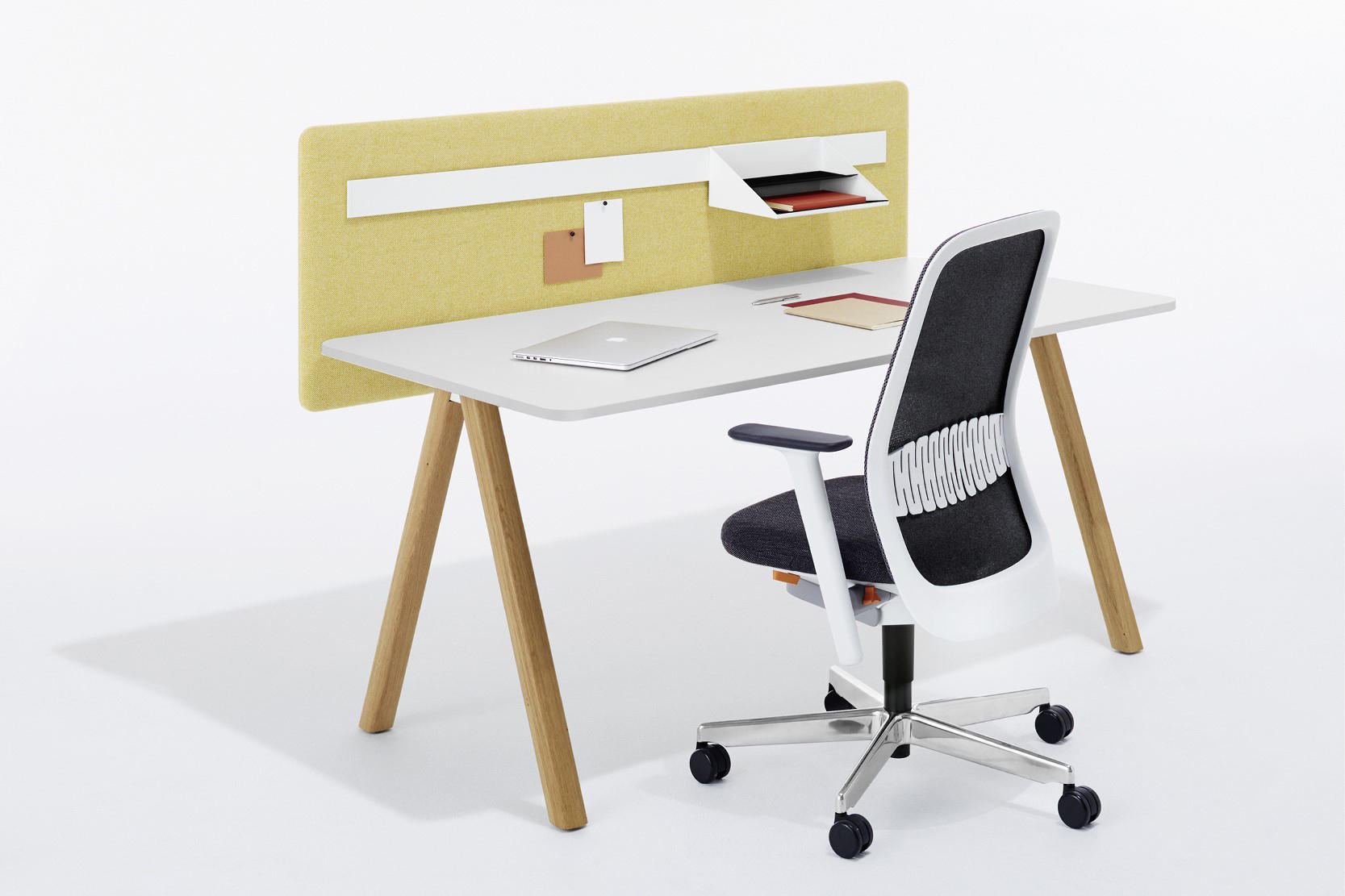 DELTA - Individual desks from Bene | Architonic