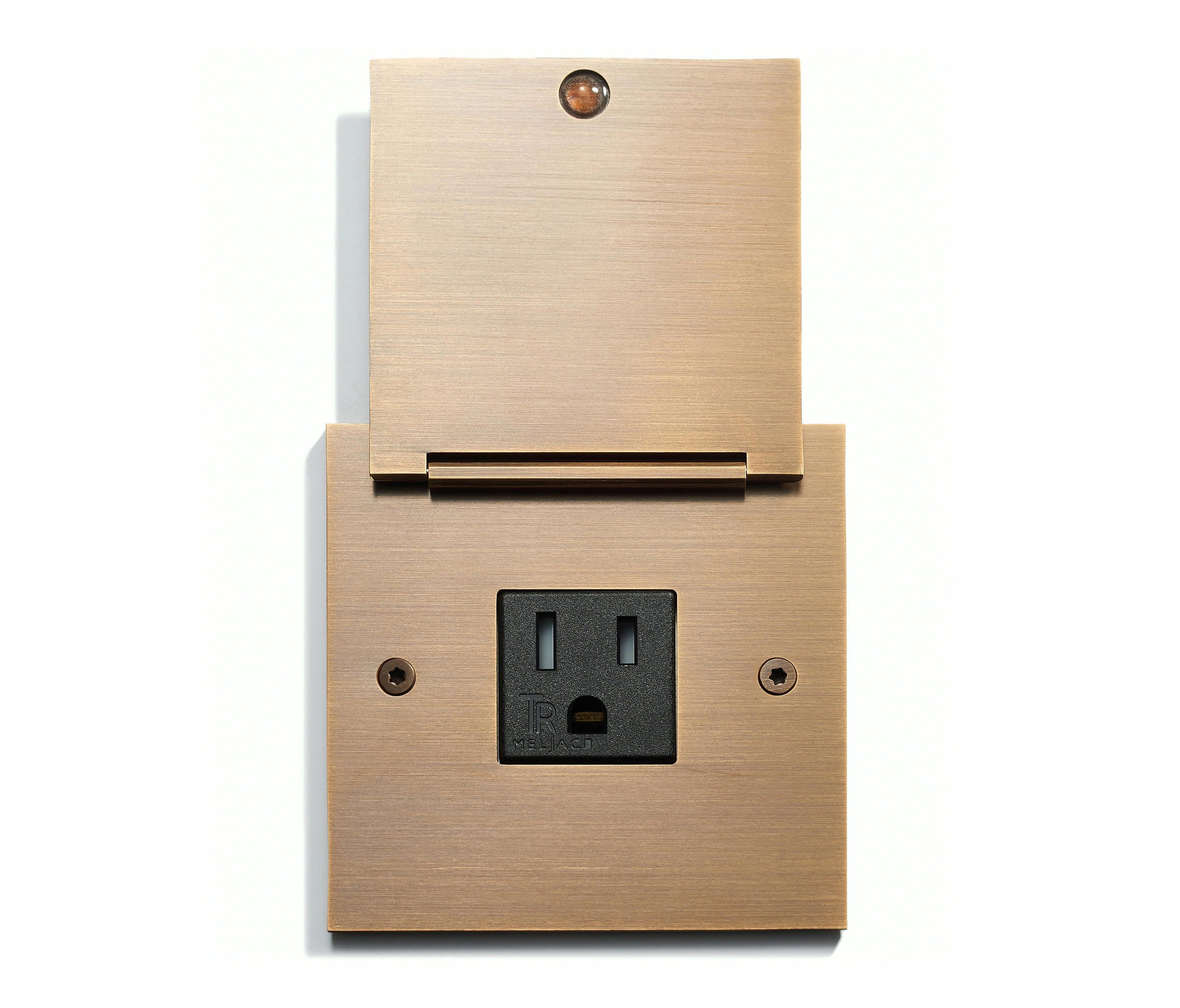 WALL OUTLET SINGLE
