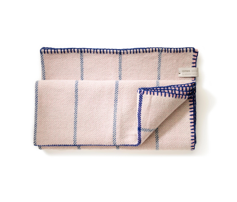 manta plaid grau rosa blau plaids blankets from. Black Bedroom Furniture Sets. Home Design Ideas