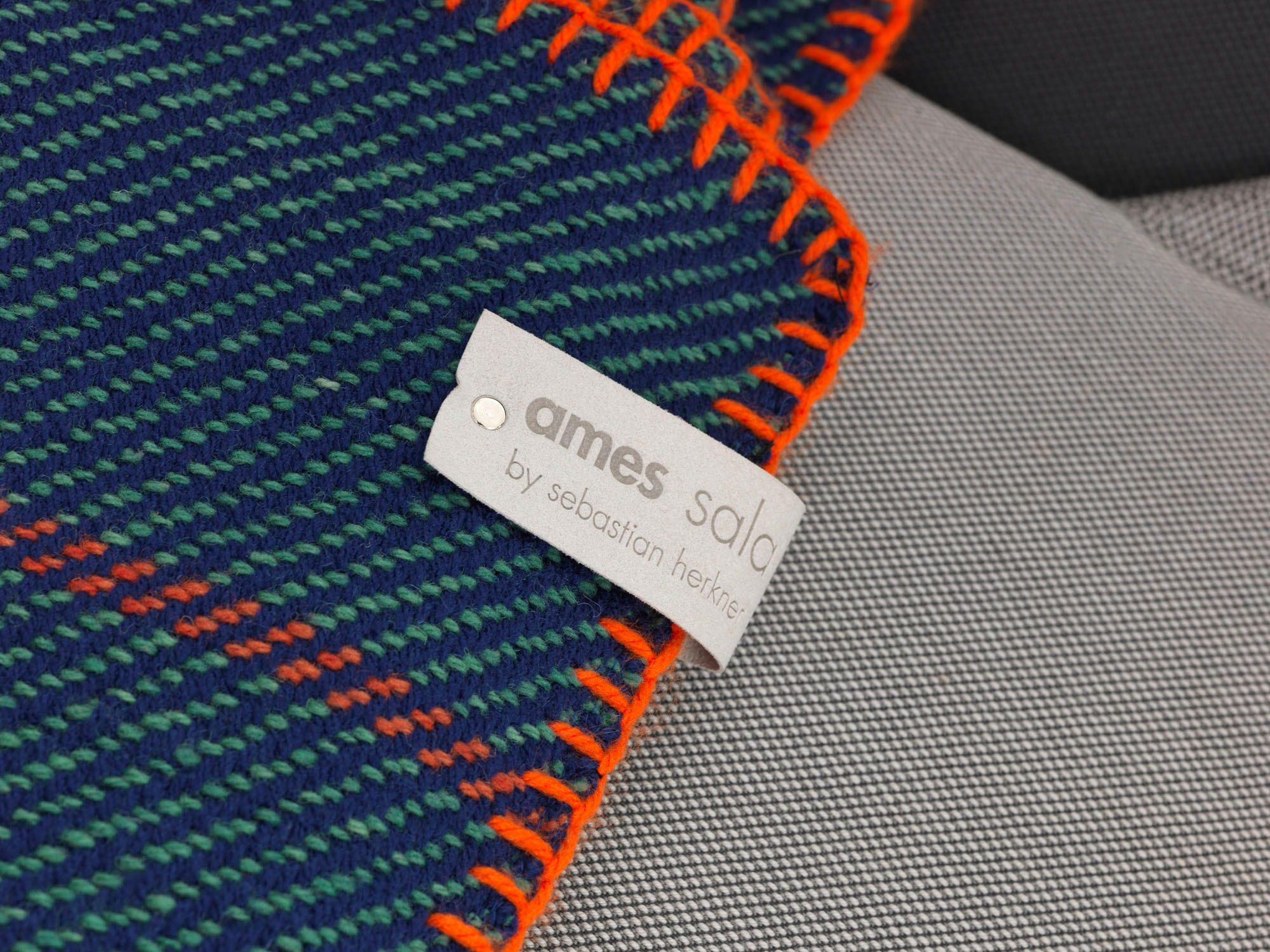 manta plaid gr n blau orange plaids blankets from ames architonic. Black Bedroom Furniture Sets. Home Design Ideas