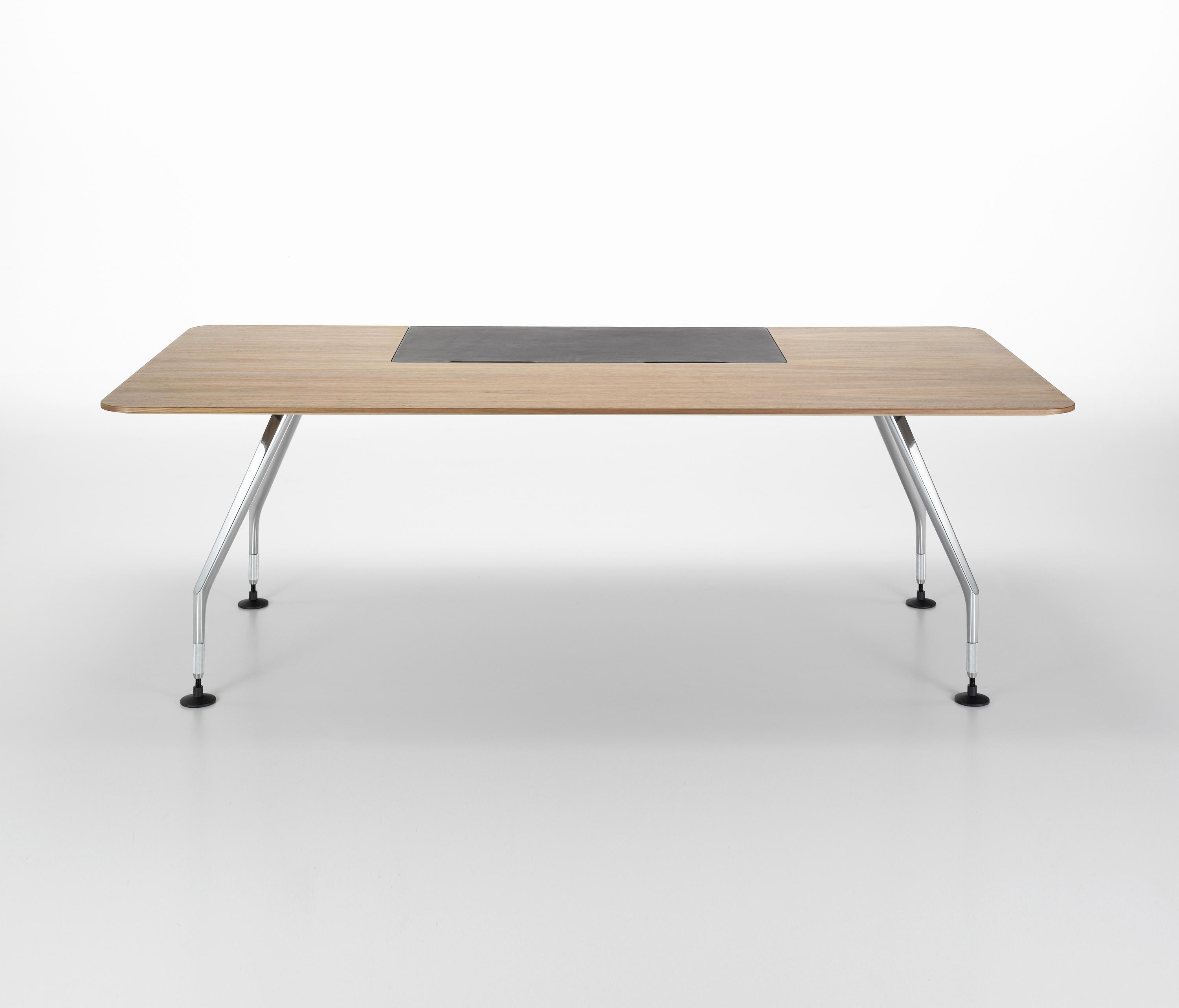 ad hoc executive table individual desks from vitra. Black Bedroom Furniture Sets. Home Design Ideas