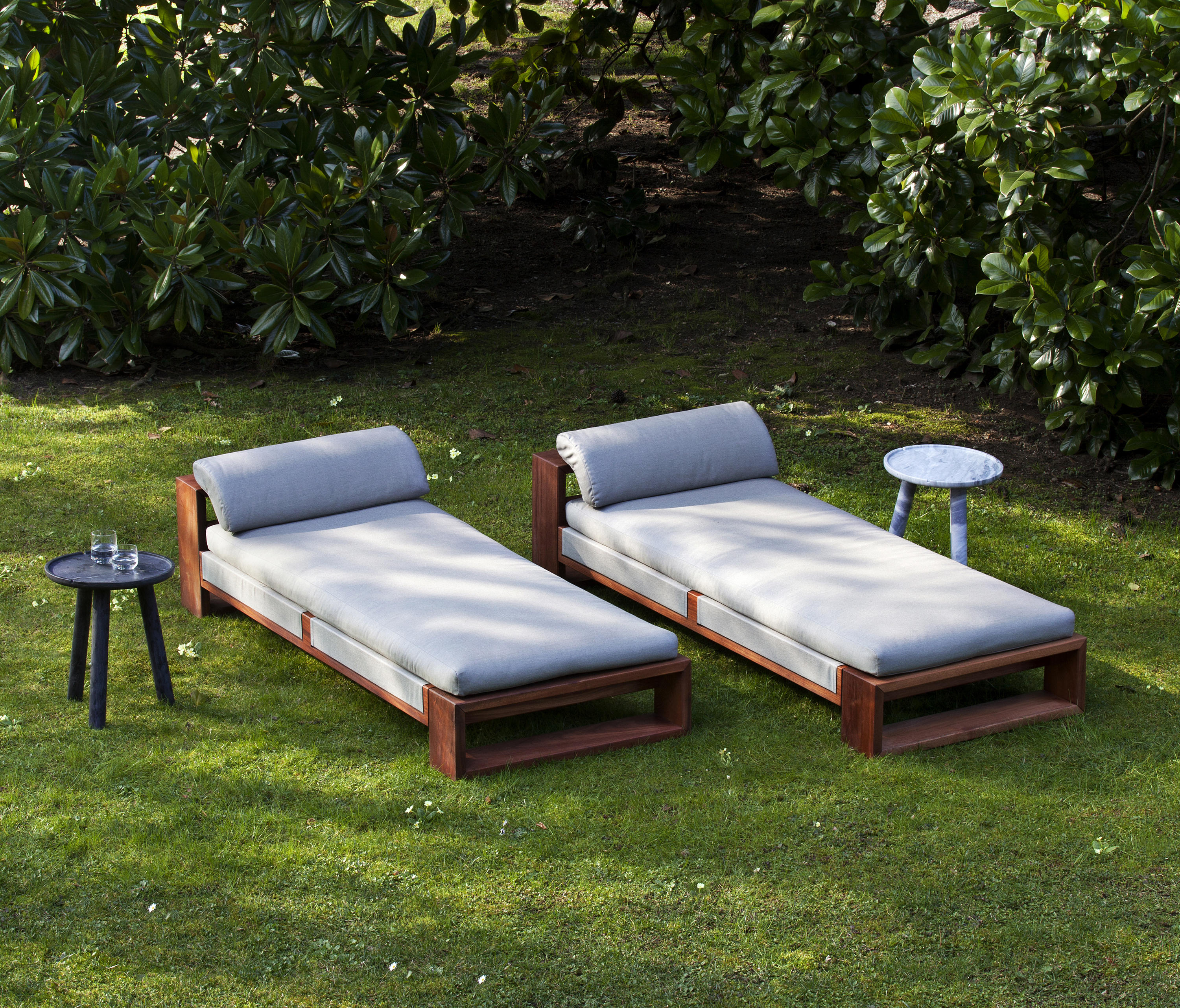 loungers lovely white outdoor in lounge chaise the sling chairs catalouge padded sun pool chair patio