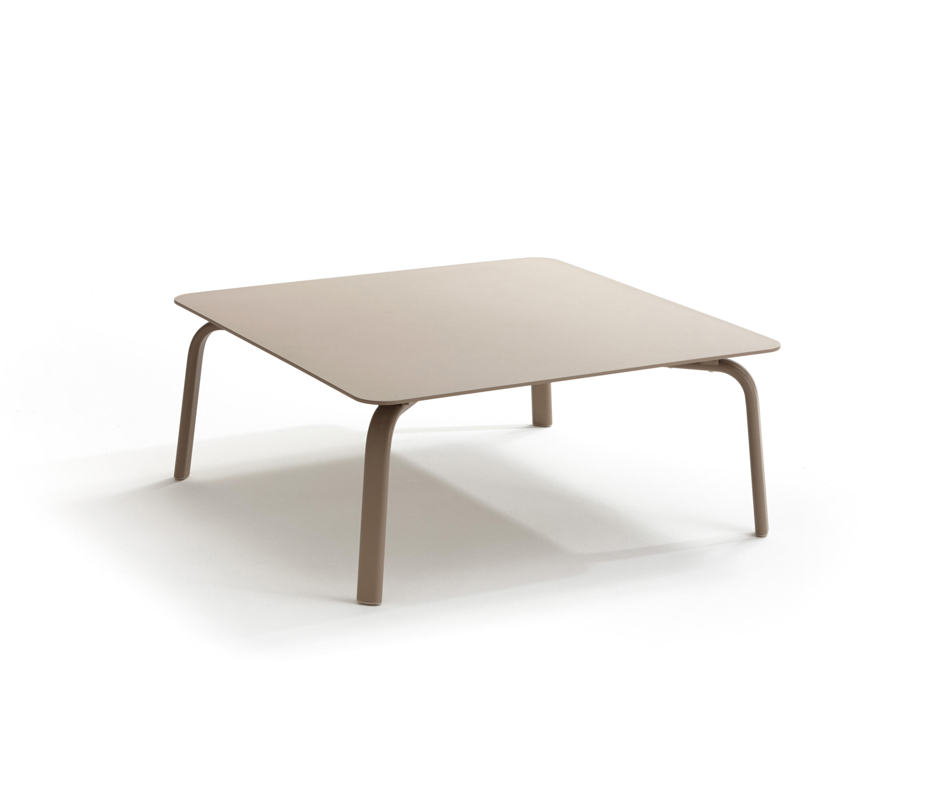 Coffee Tables From Roberti
