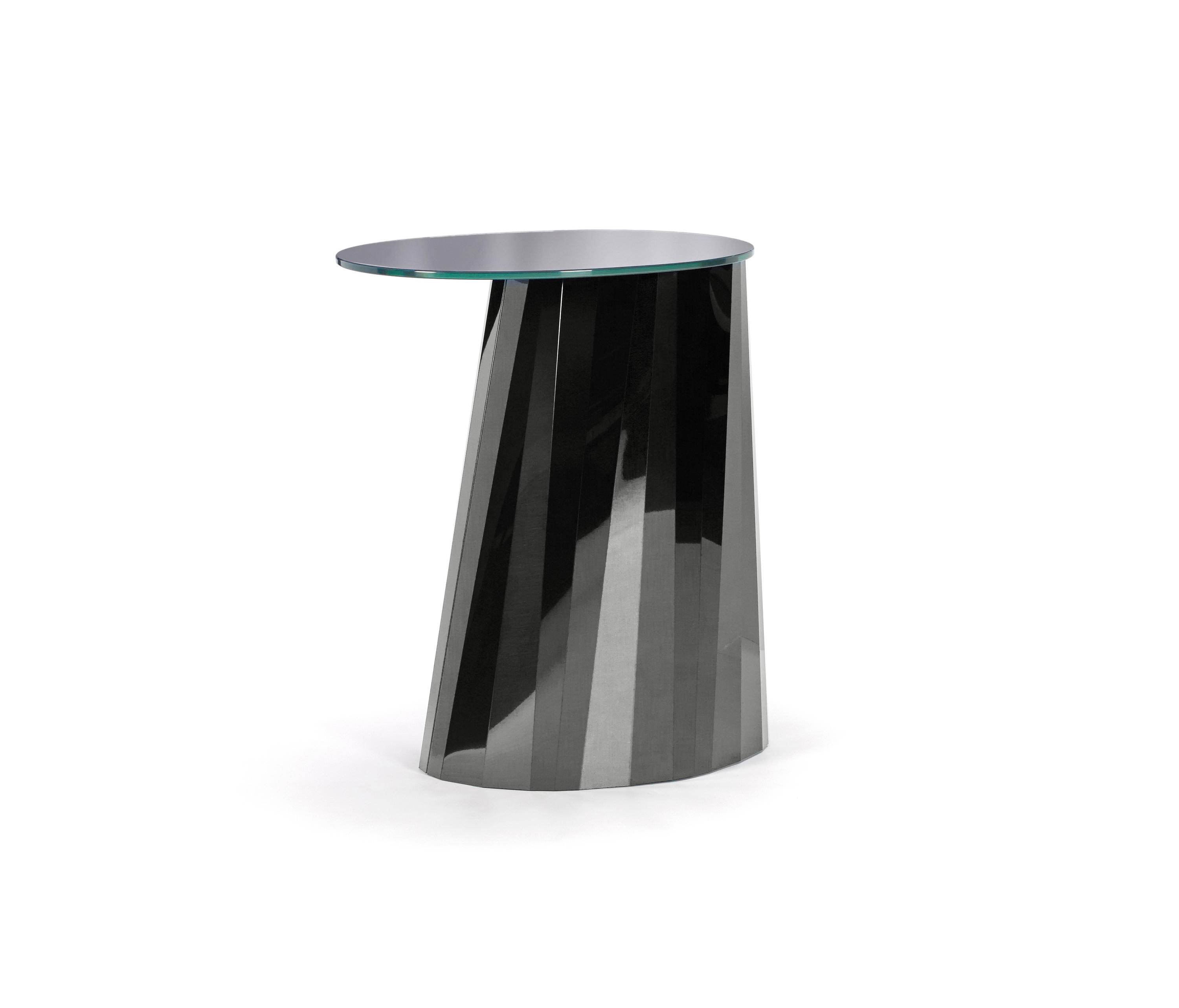 PLI SIDE TABLE HIGH BLACK GLOSSY Side Tables From ClassiCon - Glossy black coffee table