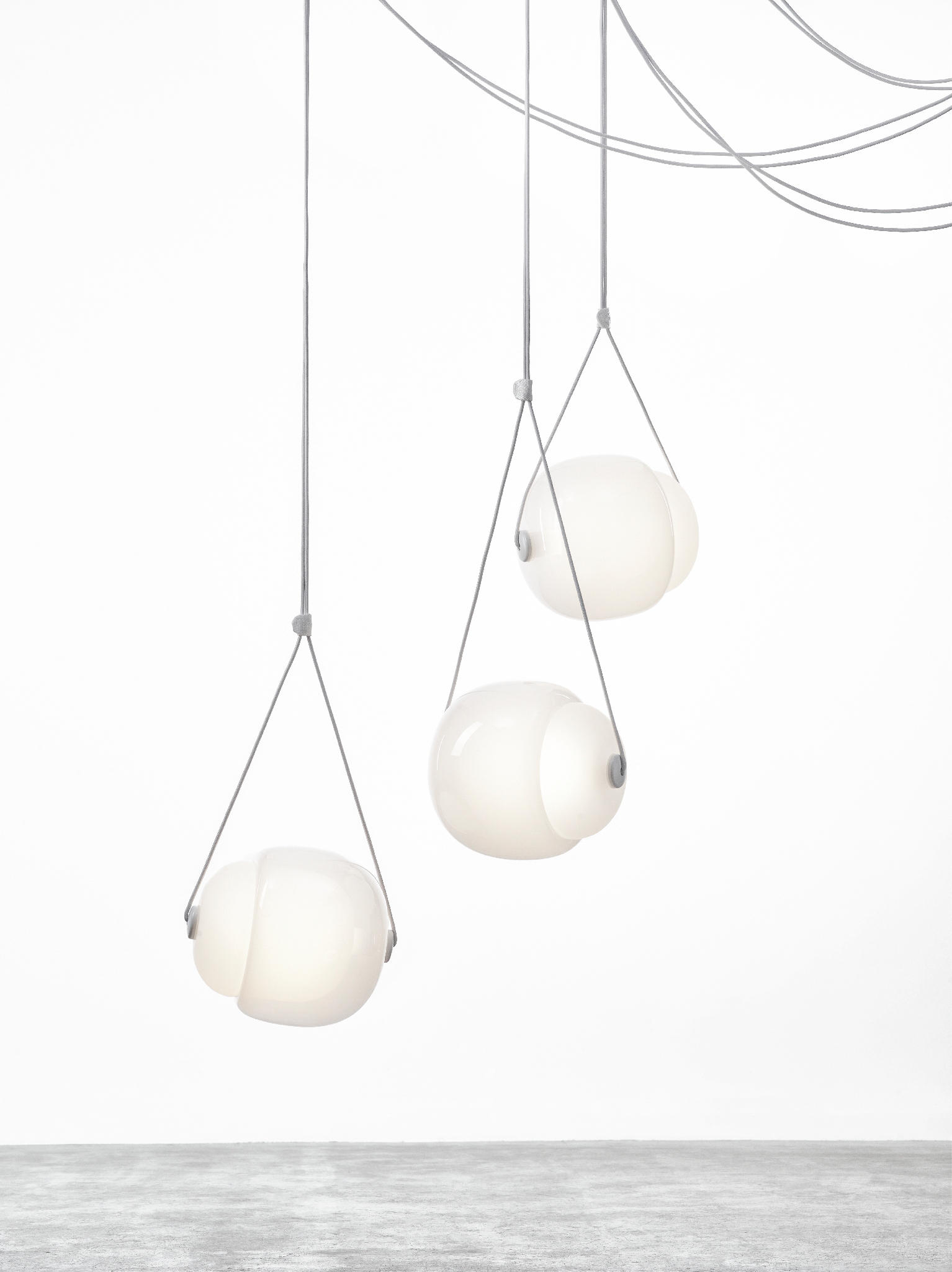 Capsula Triangle PC943 By Brokis | General Lighting ...