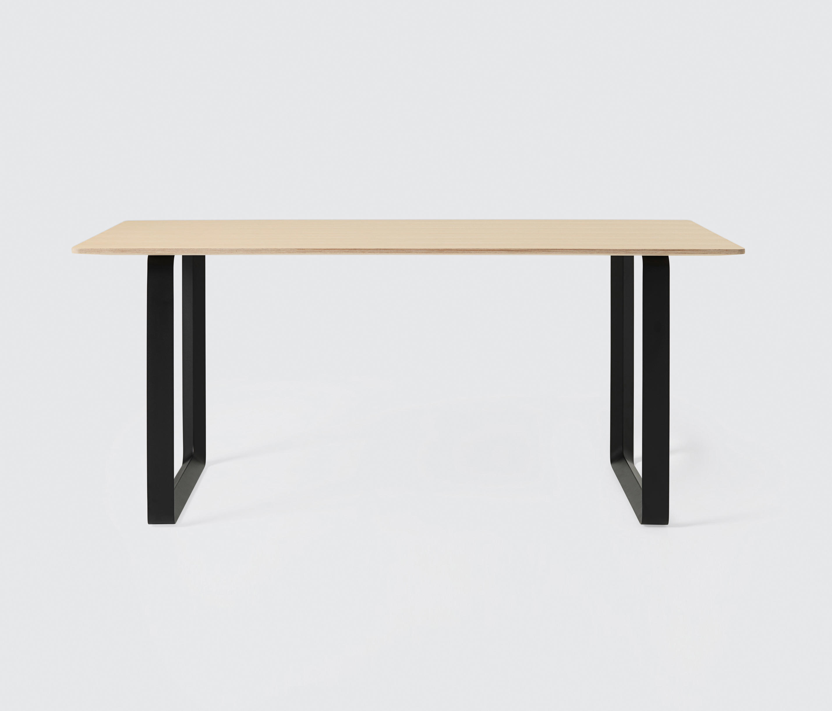 70 70 dining table small cafeteria tables from muuto architonic - Tiny dining tables ...