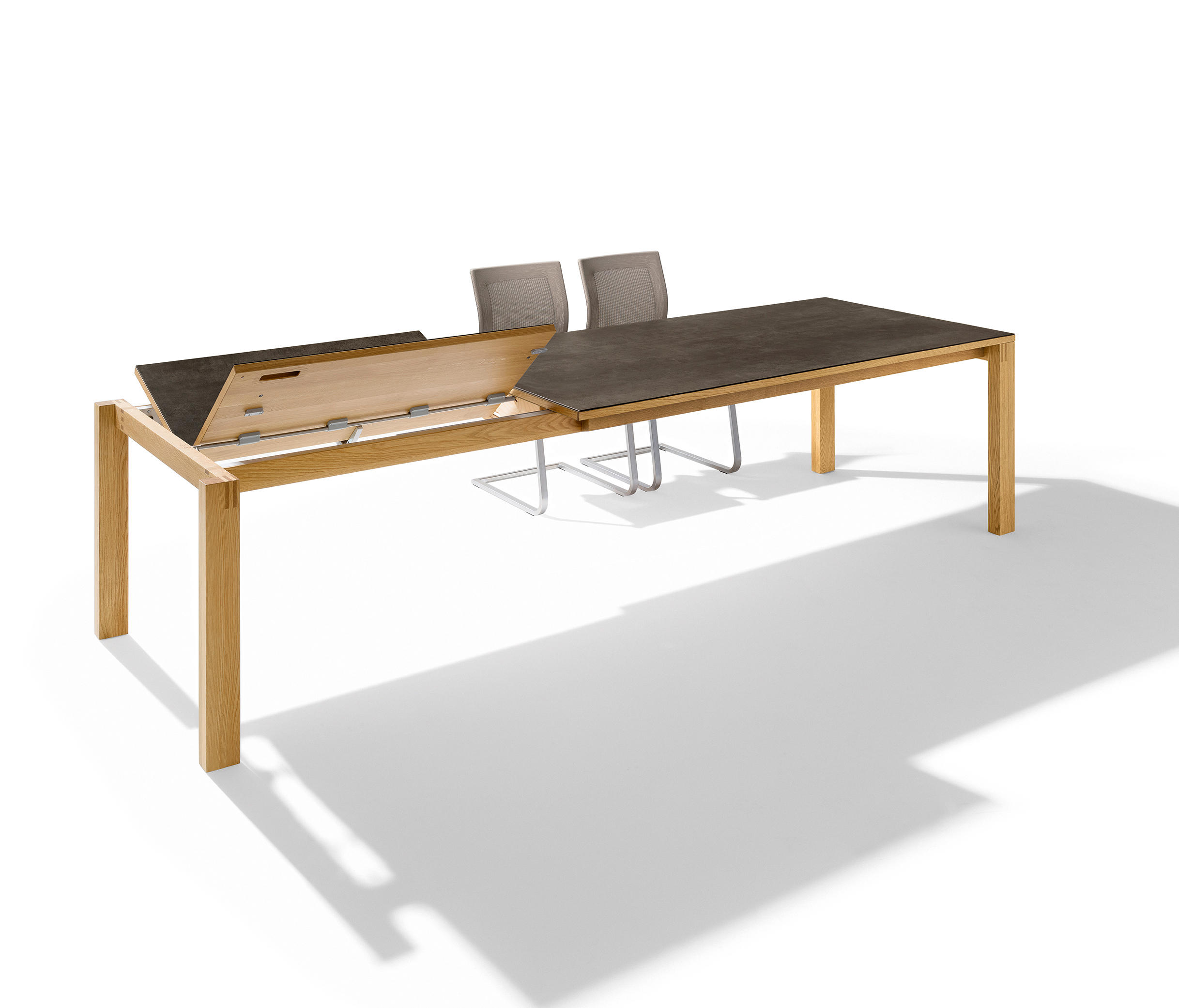 Magnum Extension Table By TEAM 7